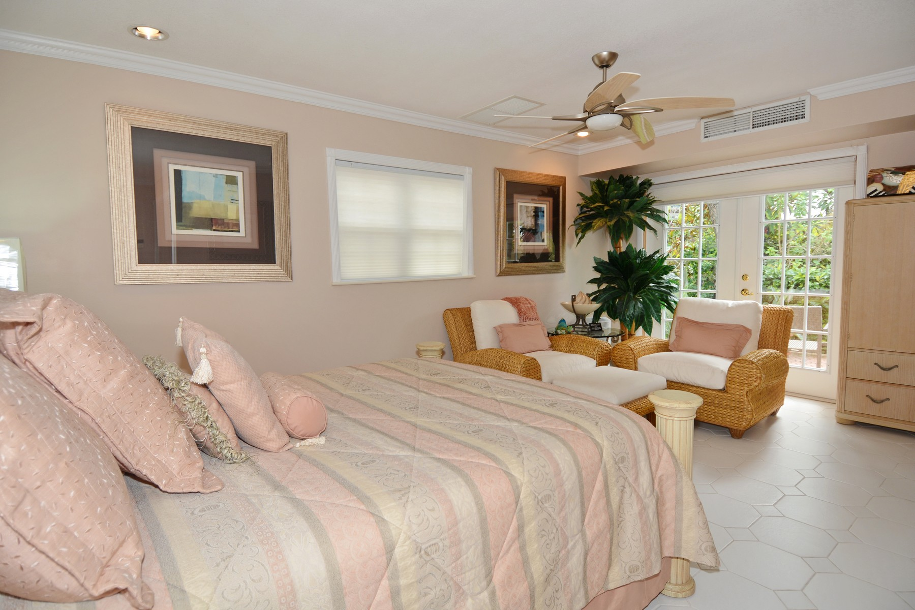 Additional photo for property listing at Villa Tatutina Pelican Shores, Marsh Harbour, Abaco Bahamas