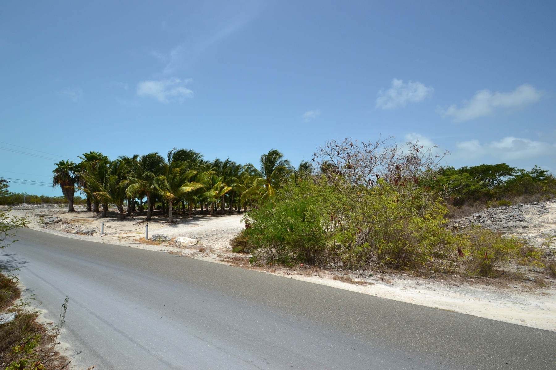 Additional photo for property listing at Large Parcel on Leeward Highway  Grace Bay, Providenciales TKCA 1ZZ Îles Turques Et Caïques