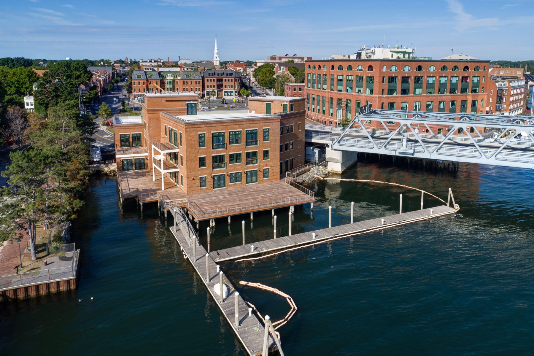 Appartement en copropriété pour l Vente à Luxury Waterfront Penthouse in Downtown Portsmouth 10 State Street Unit C Portsmouth, New Hampshire, 03801 États-Unis