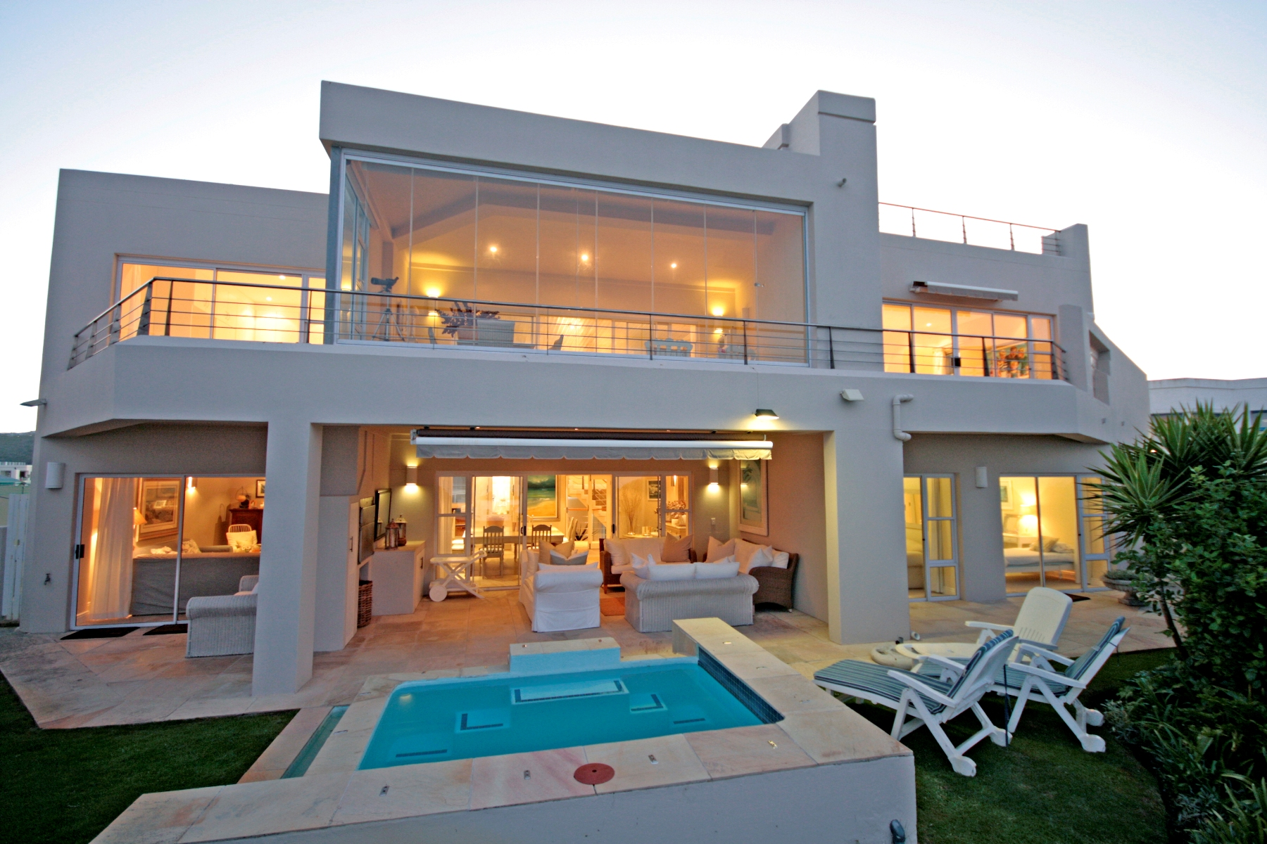 Maison unifamiliale pour l Vente à Solar Beach Beauty Plettenberg Bay, Cap-Occidental, 6600 Afrique Du Sud