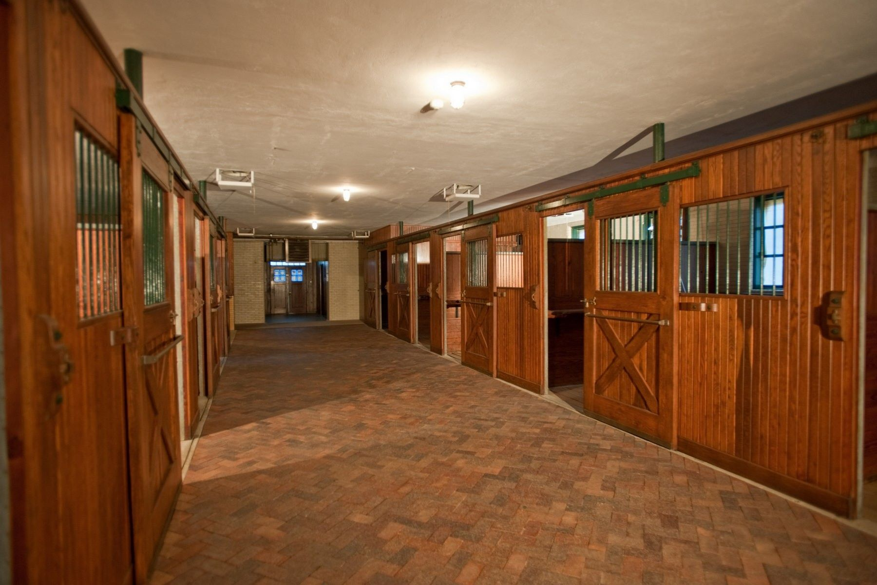 Additional photo for property listing at The Stables 2670 Turtle Lake Drive #44 and #45 Bloomfield Hills, Michigan 48302 United States