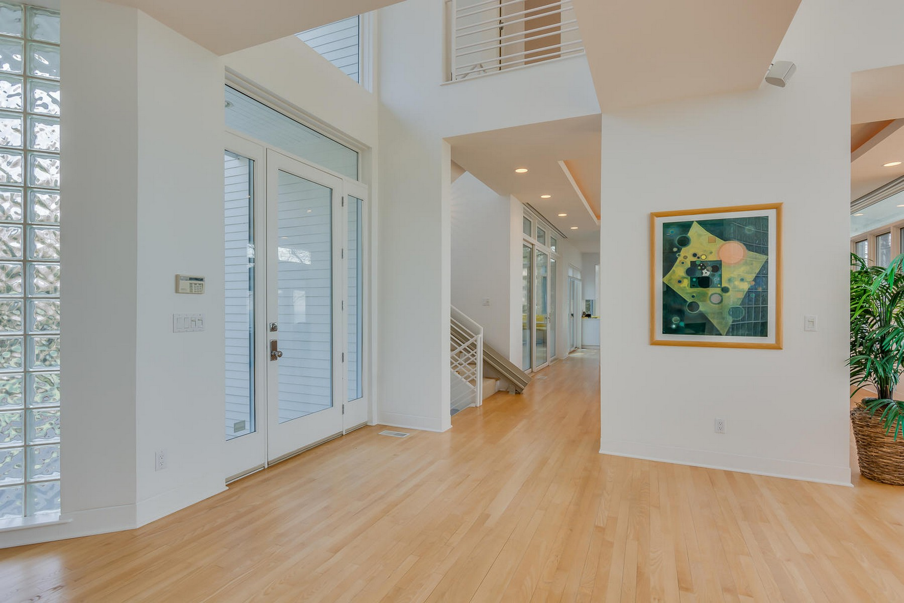 Additional photo for property listing at Exquisite Lake Michigan Contemporary 15930 Lake Avenue Union Pier, Michigan 49129 United States