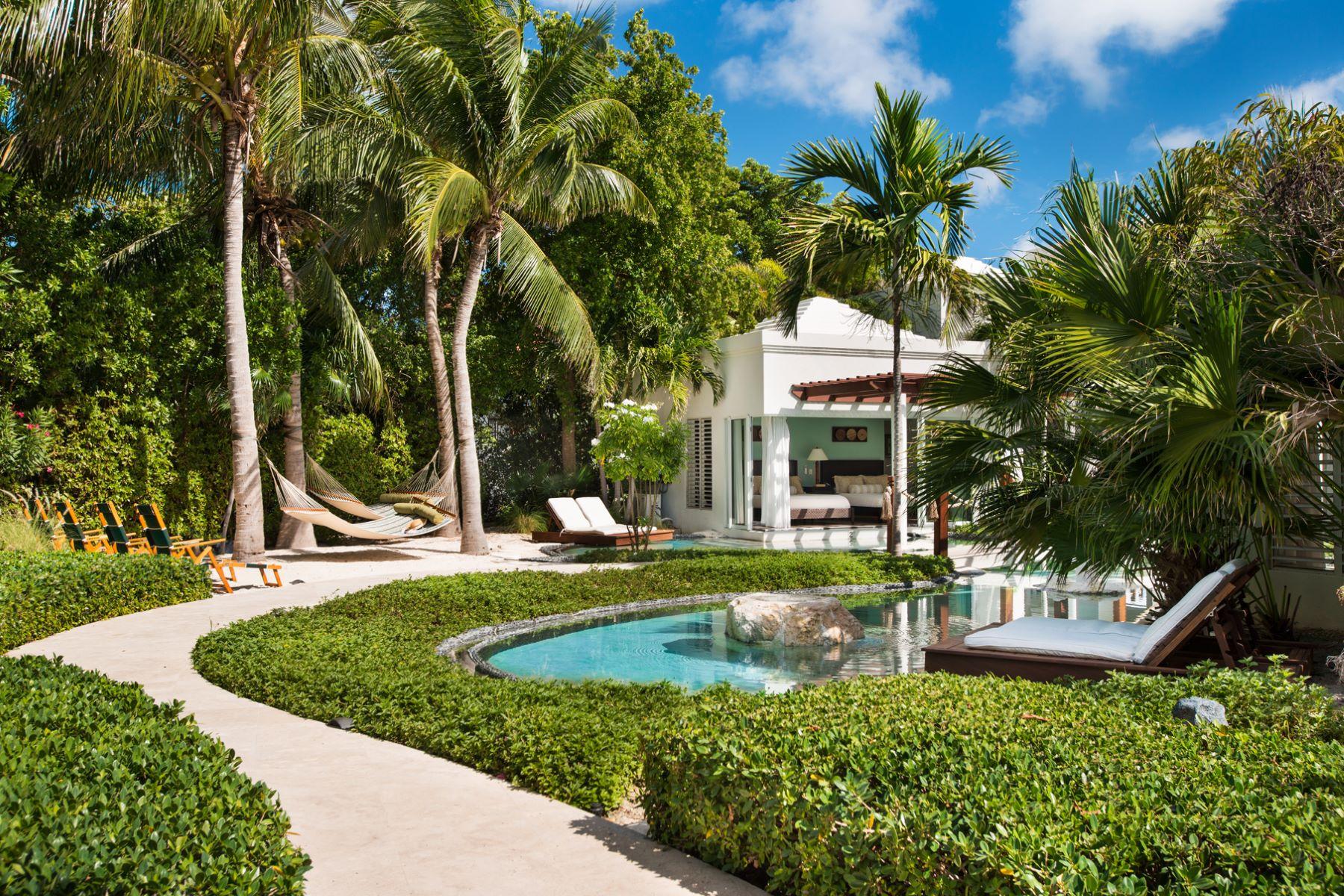 Additional photo for property listing at Turtle Breeze Villa Beachfront Turtle Cove, Провиденсьялес TC Теркс И Кайкос
