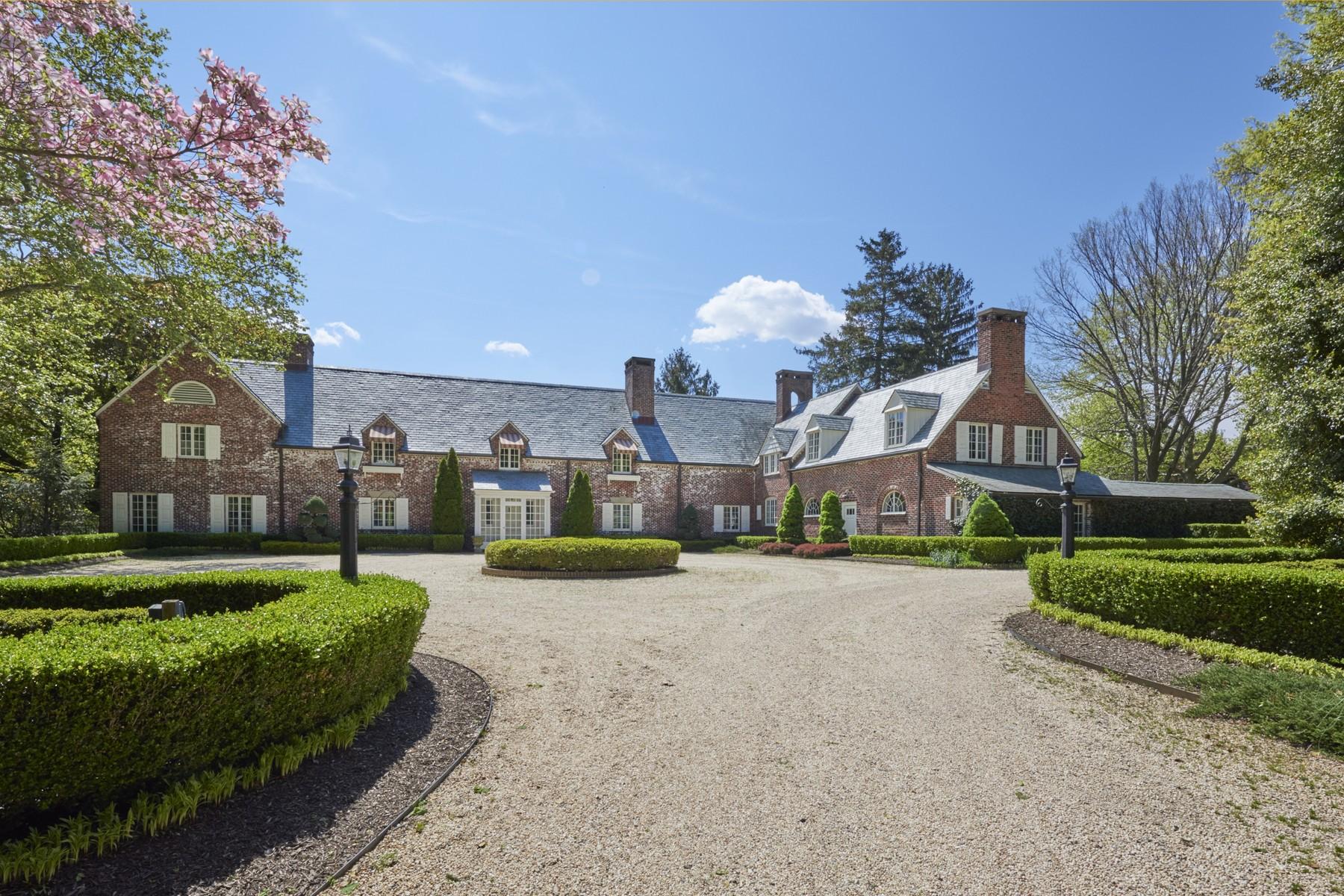 Villa per Vendita alle ore Hidden Gem 7 Somerset Dr Rumson, New Jersey, 07760 Stati Uniti
