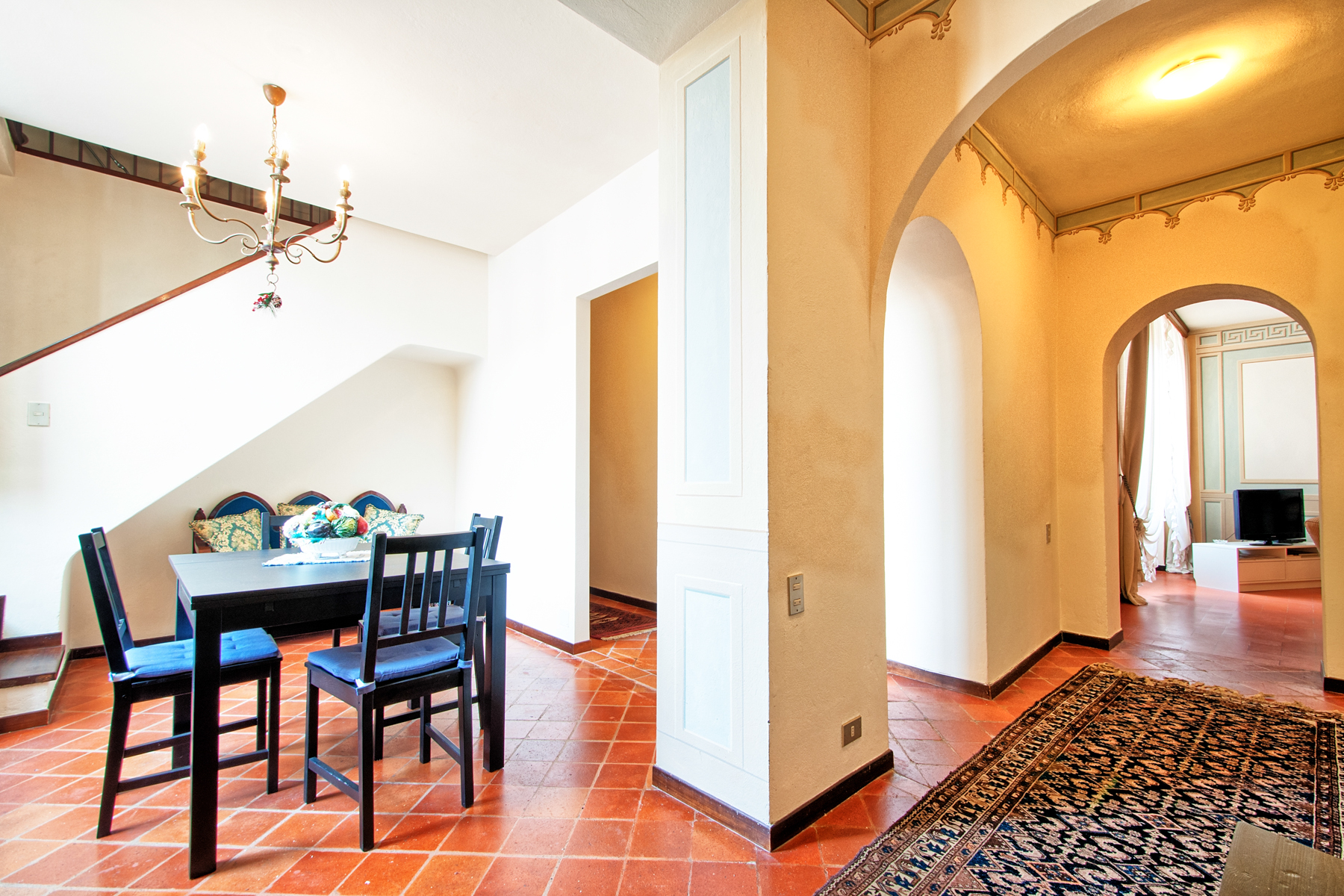 Additional photo for property listing at Elegant apartment in historical building Centro Storico, Lucca, Lucca Italy