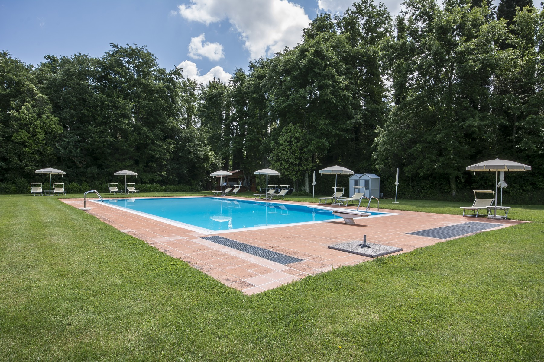 Additional photo for property listing at Merveilleuse bourg  avec piscine et court de tennis Peccioli, Pisa Italie