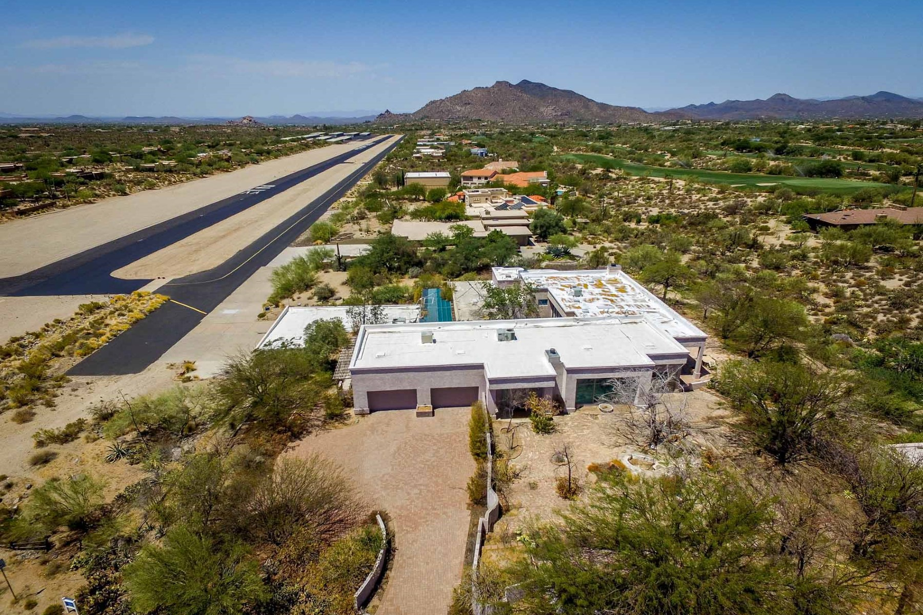 Single Family Home for Sale at Home on the Runway at Carefree Skyranch 37008 N Pima Rd Carefree, Arizona, 85377 United States