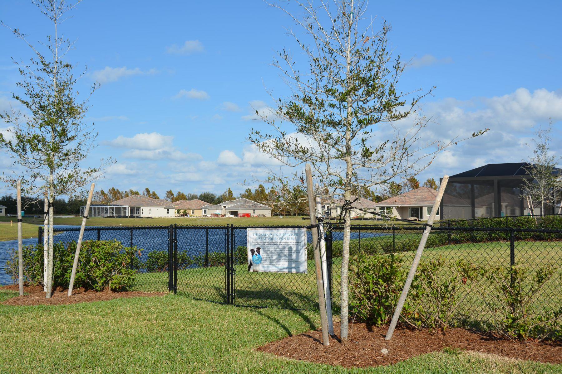 Casa Unifamiliar por un Venta en Tacoma Model Home 6137 Graysen Square Vero Beach, Florida, 32967 Estados Unidos