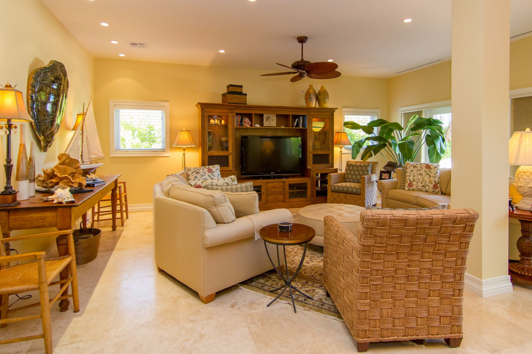 Additional photo for property listing at Lizard Run Seven Mile Beach,  Cayman Islands