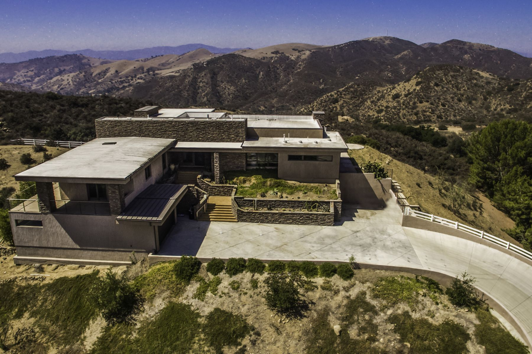 Single Family Home for Sale at 9 Morgan Rd. Bell Canyon, California 91307 United States