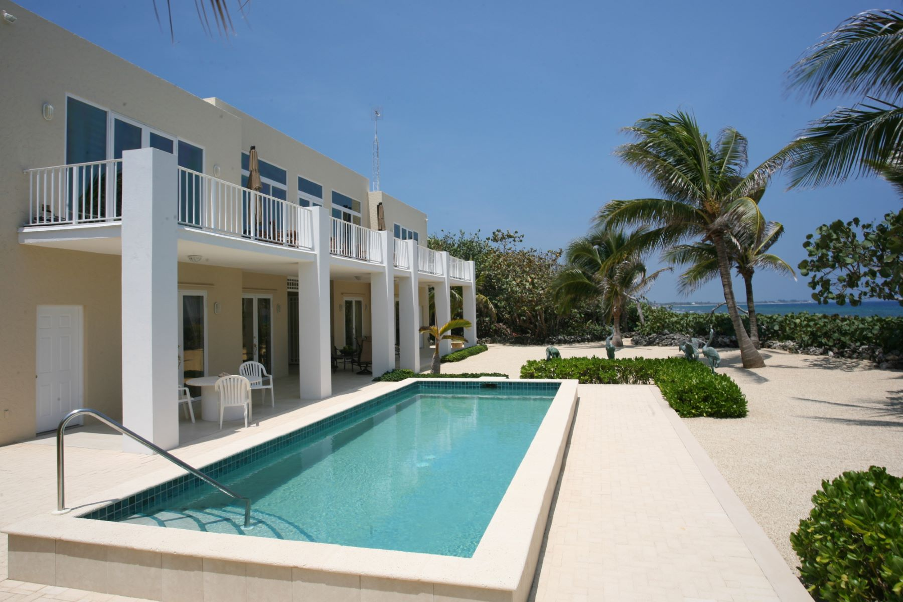 Single Family Home for Sale at Villa Caymanas North Side, Cayman Islands