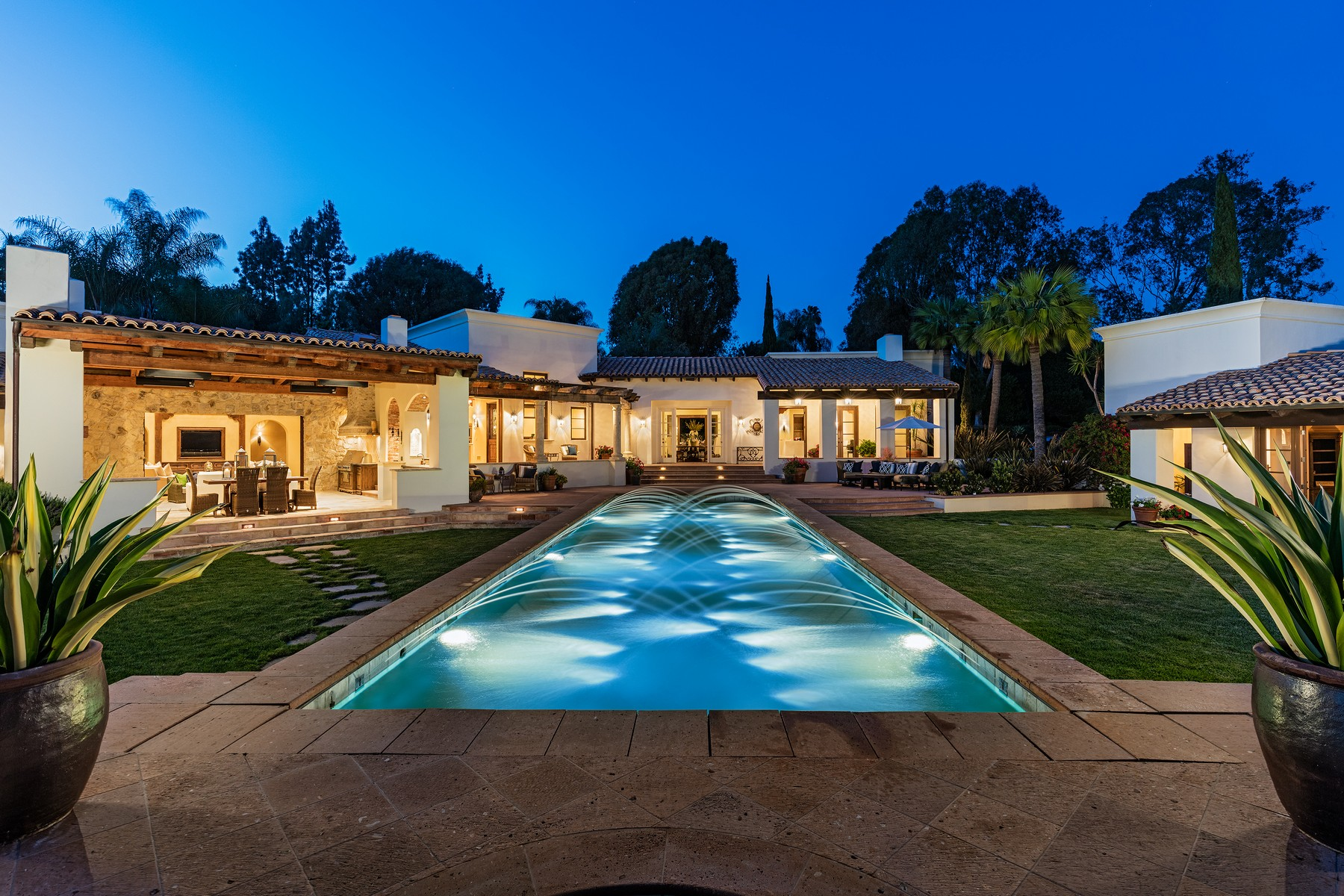 Single Family Home for Sale at 17222 Avenida De Acacias Rancho Santa Fe, California 92067 United States