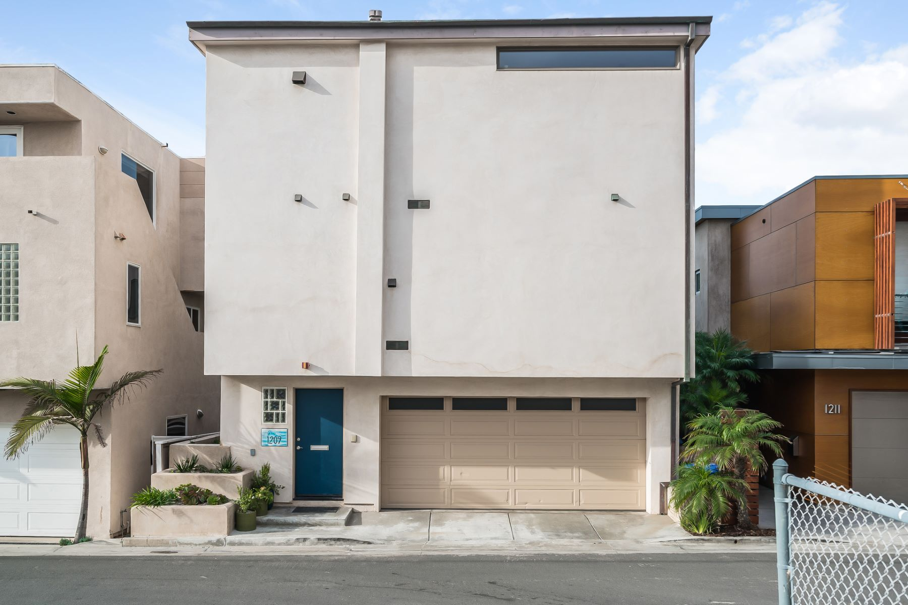 Vivienda unifamiliar por un Venta en 1209 Bayview Dr Manhattan Beach, California, CA Estados Unidos