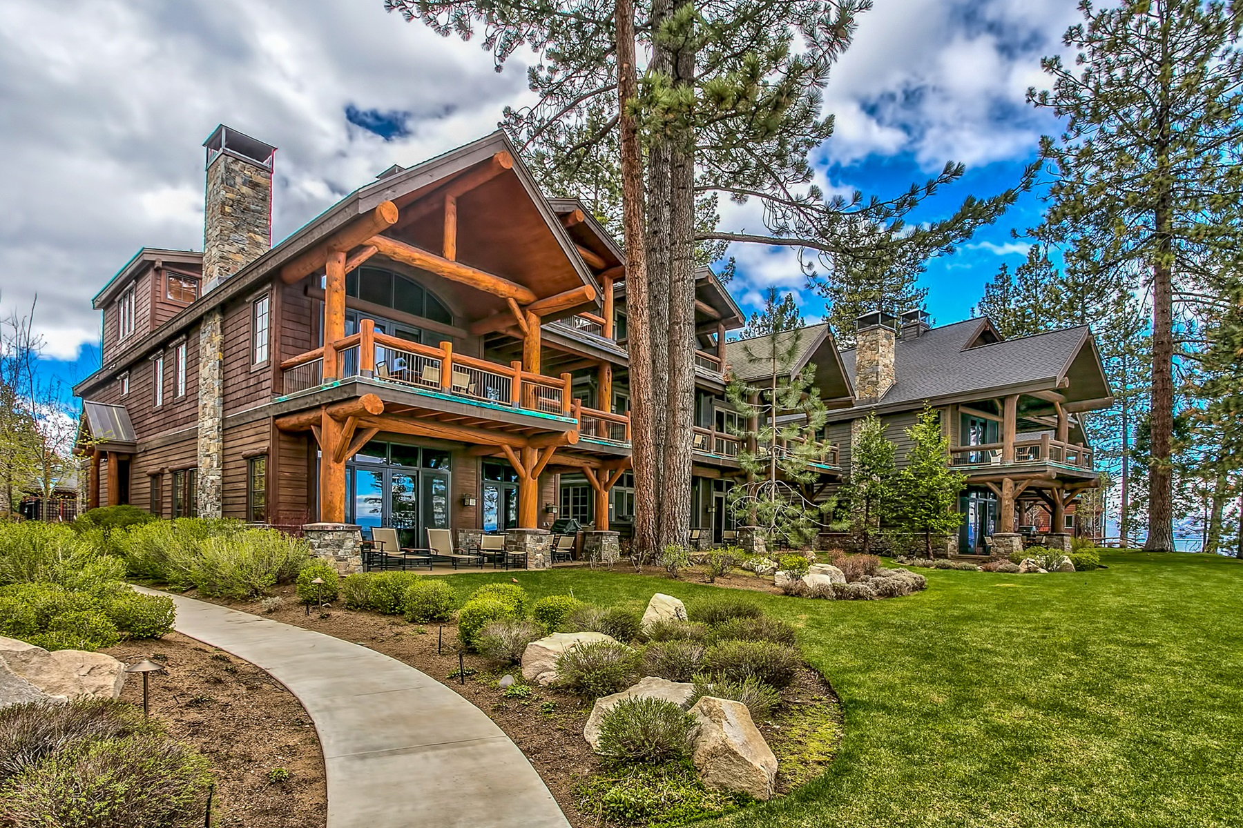 Single Family Home for Active at Sierra Shores 3371 Lake Tahoe Blvd #8 South Lake Tahoe, California 96150 United States
