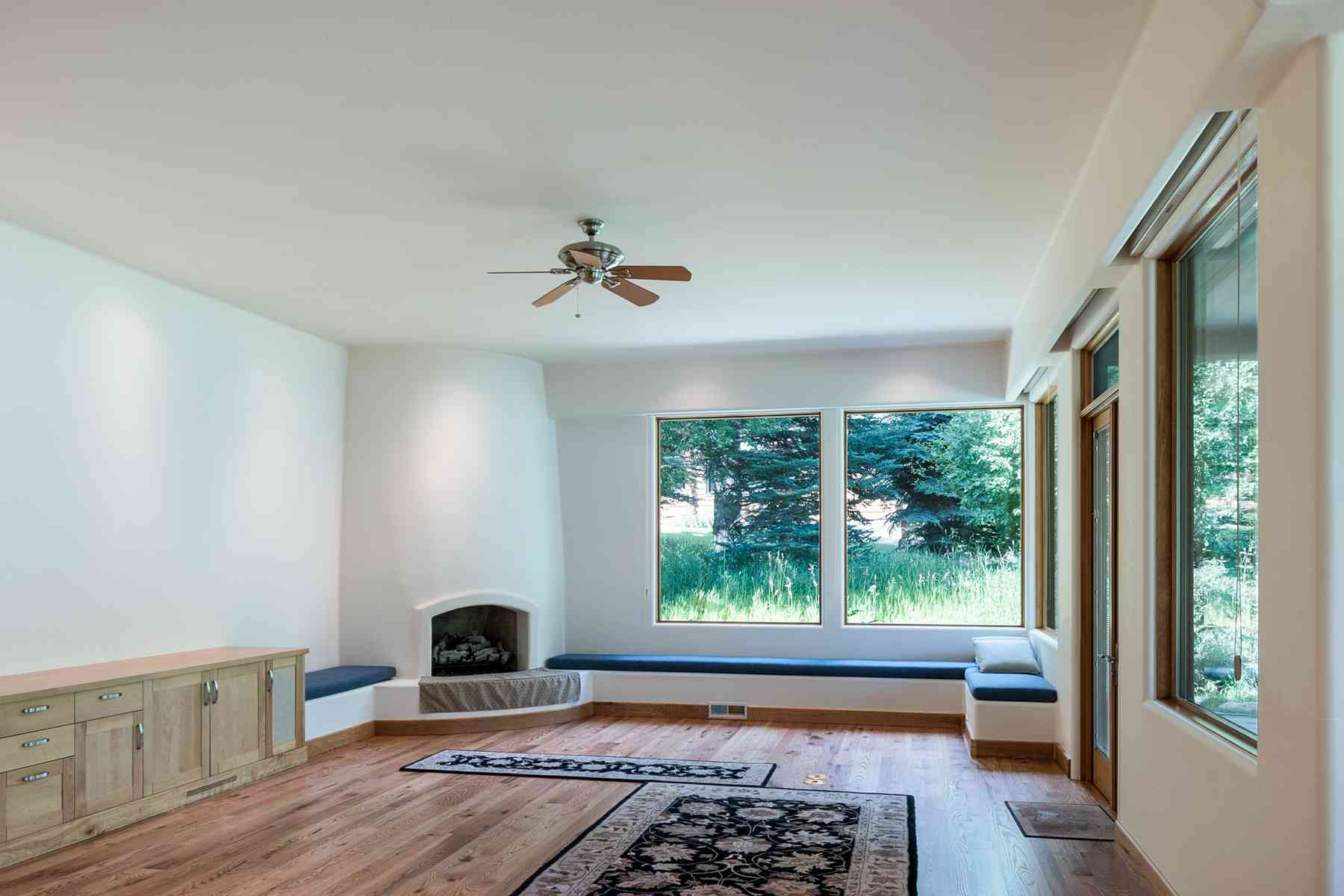 Additional photo for property listing at One of a kind Contemporary Home 205 Canyon Road Sun Valley, Idaho 83353 États-Unis