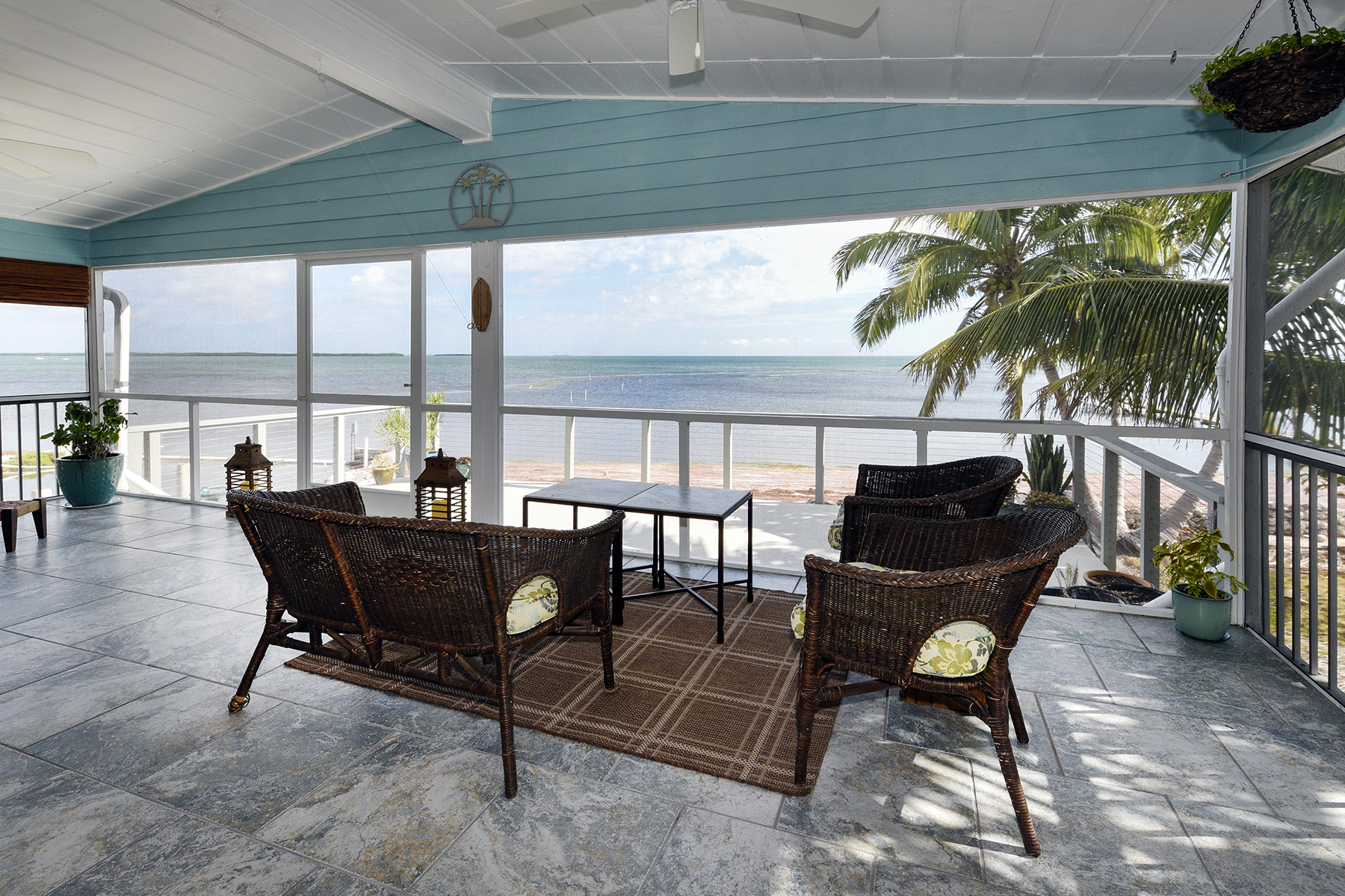 Villa per Vendita alle ore Commanding Water Views 32857 Tortuga Lane Big Pine Key, Florida, 33043 Stati Uniti