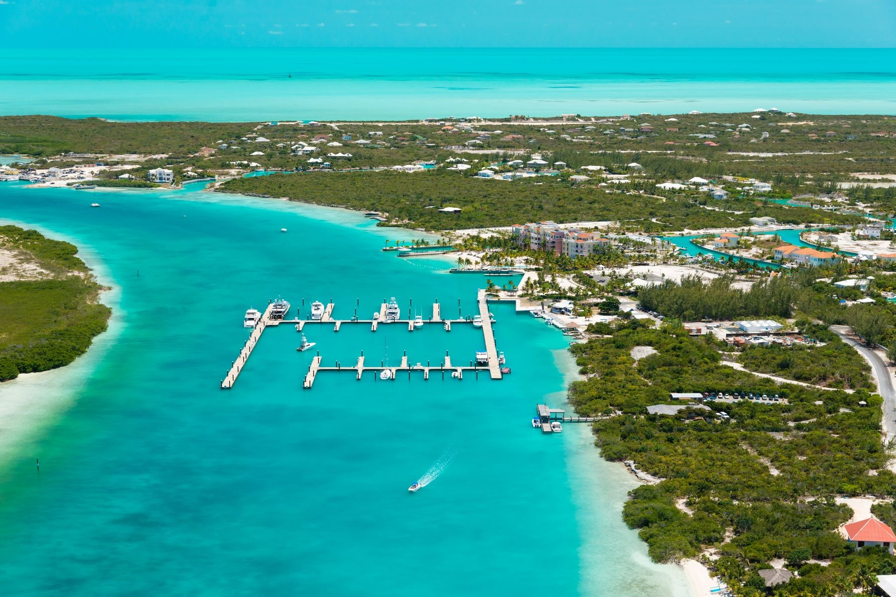 Additional photo for property listing at Panorama Y House - Beachfront Lot 2 Blue Cay Estate, Leeward, Providenciales Îles Turques Et Caïques