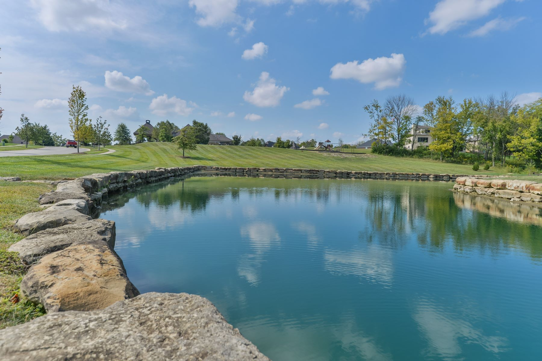 Additional photo for property listing at 17520 Shakes Creek Drive 17520 Shakes Creek Drive Fisherville, Kentucky 40023 United States