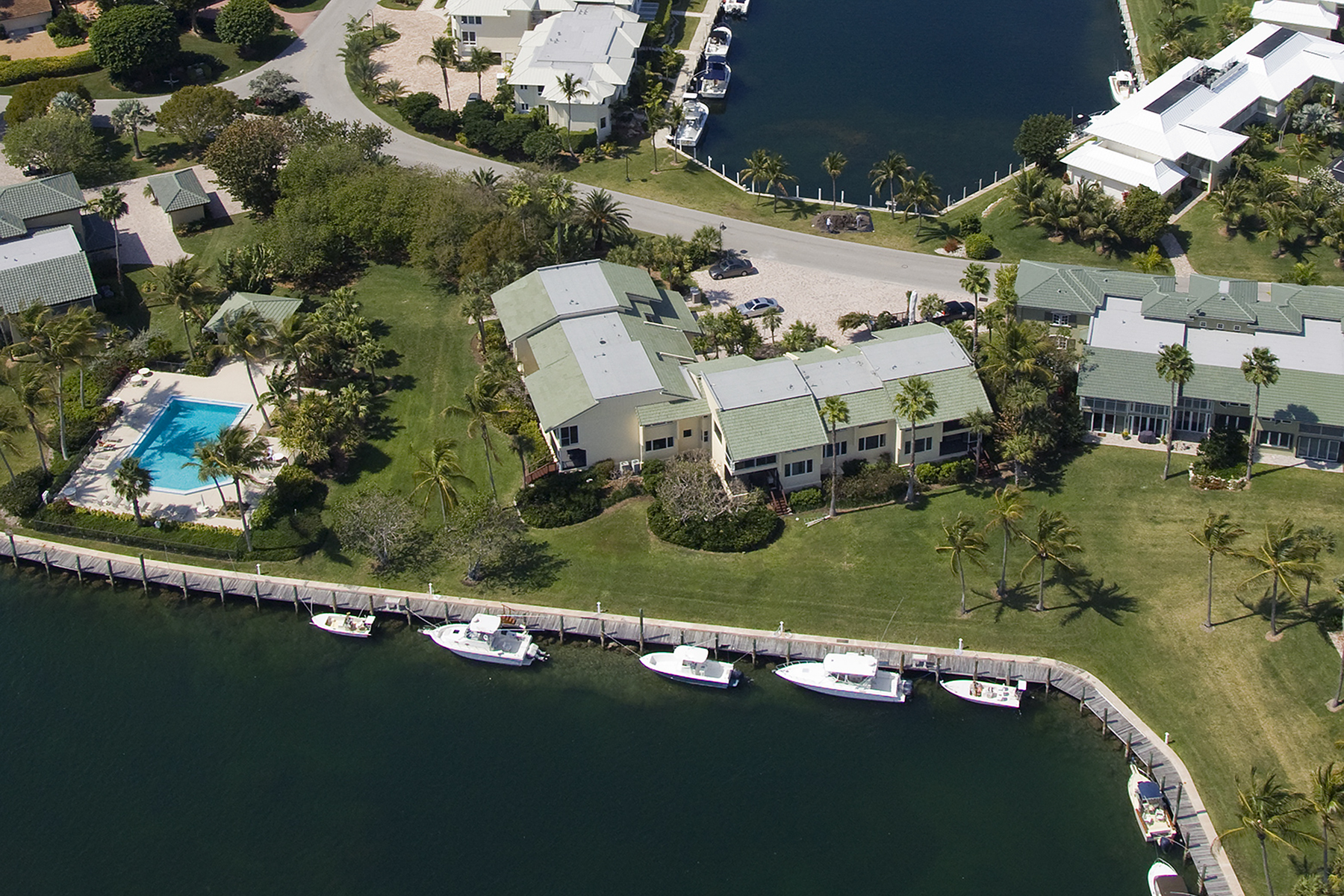 Additional photo for property listing at Waterfront Condominium at Ocean Reef 13 Pumpkin Cay Road, Unit B Key Largo, Florida 33037 États-Unis
