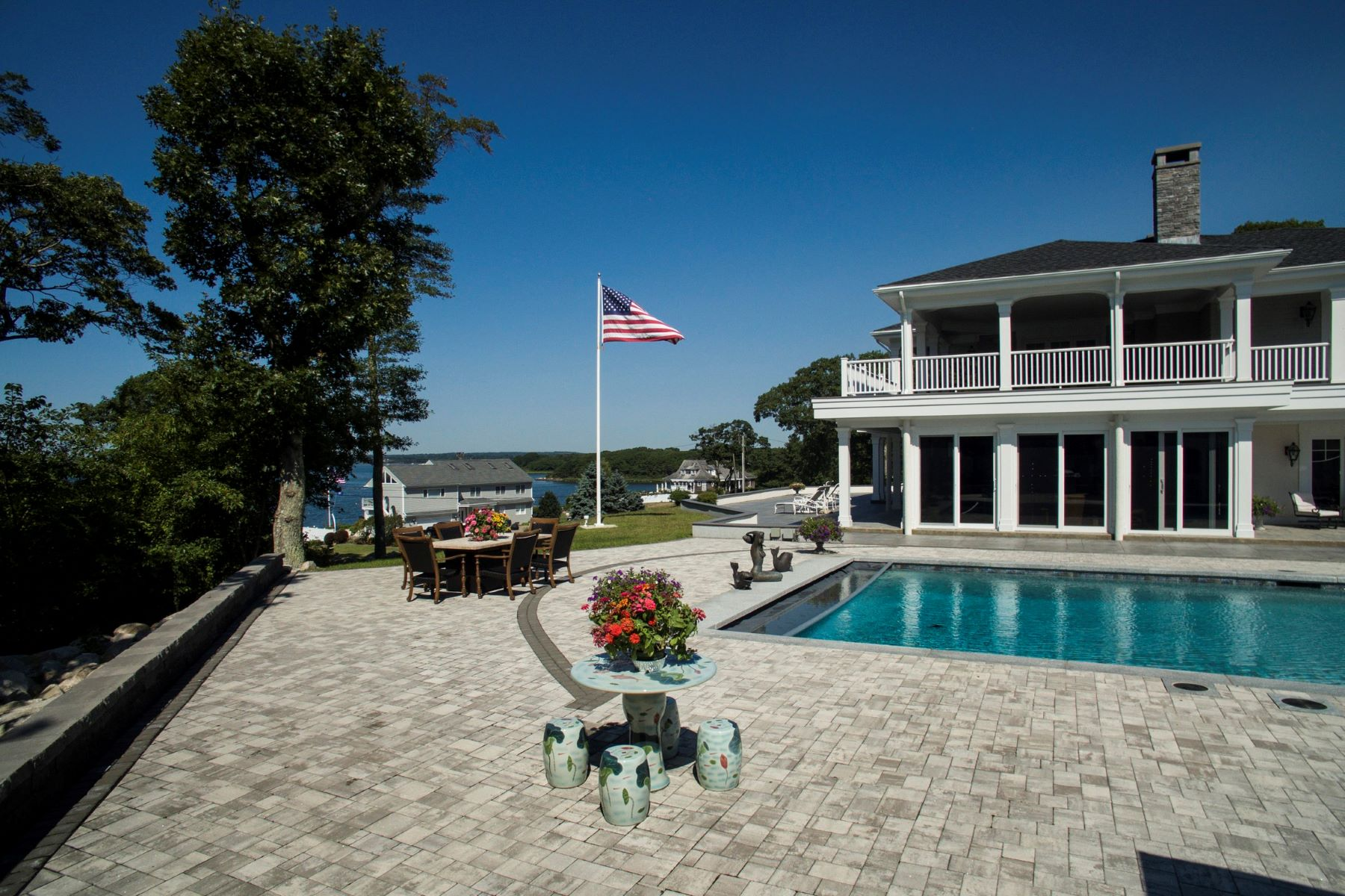 Additional photo for property listing at High Pointe 289 Osbrook Point Road Stonington, Connecticut 06379 Estados Unidos