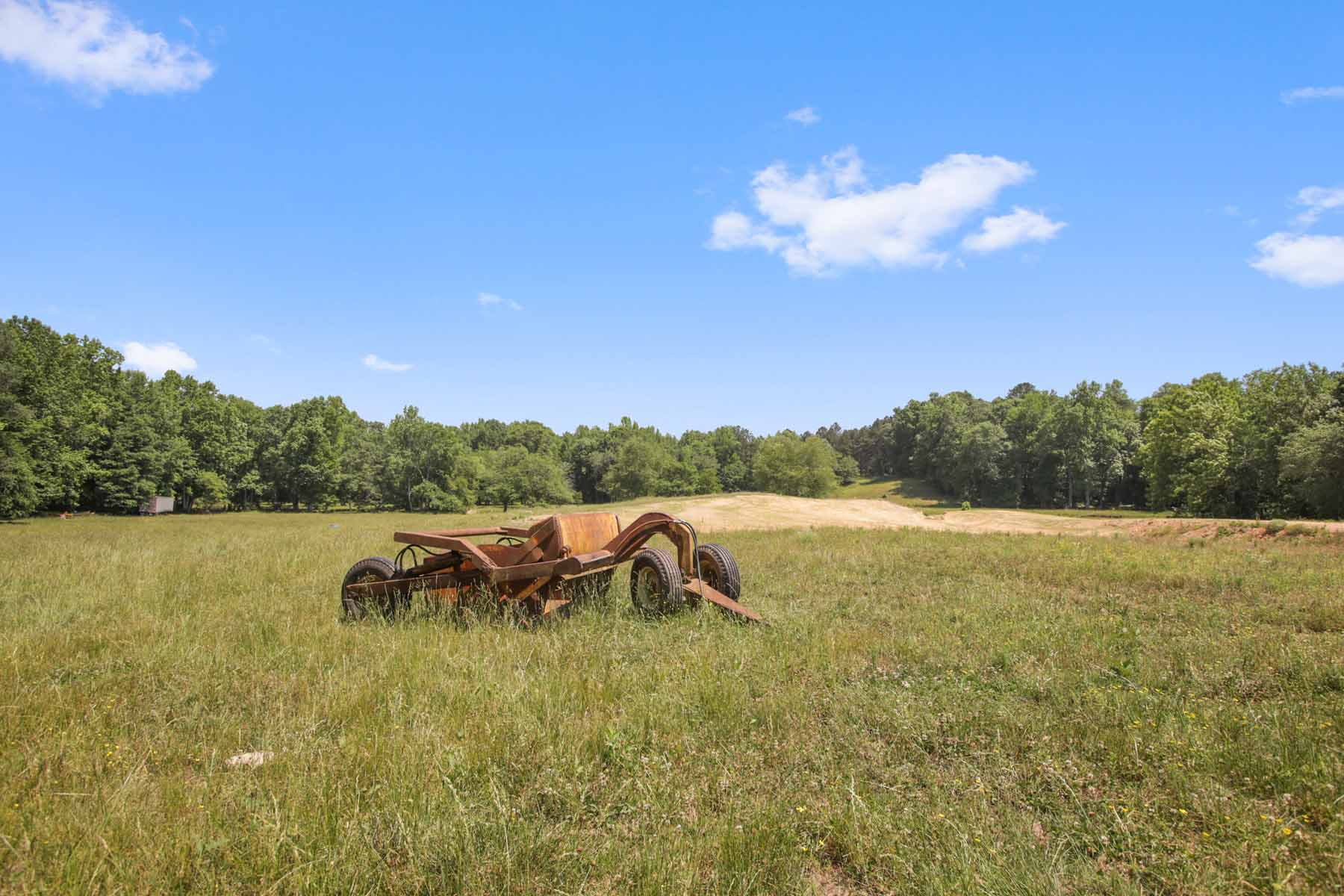 Additional photo for property listing at Rolling Pastures With Ponds and Beautiful Hardwoods 7770 Jones Ferry Road Chattahoochee Hills, Geórgia 30268 Estados Unidos