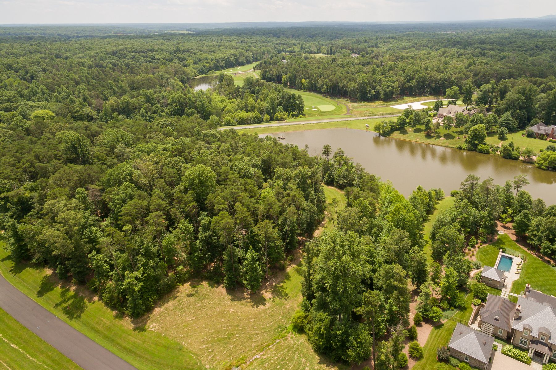 أراضي للـ Sale في Waterfront Lot in Keswick Estate Lot 58 Palmer Drive Keswick, Virginia, 22947 United Statesفي/حول: Charlottesville
