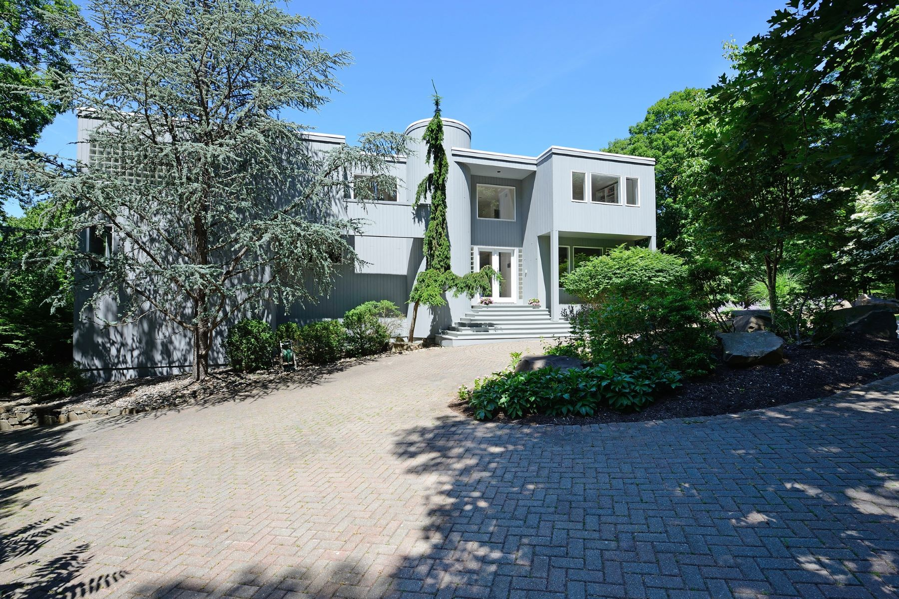 Single Family Home for Sale at Intriguing Modern Home 635 South Mountain Road New City, New York, 10956 United States
