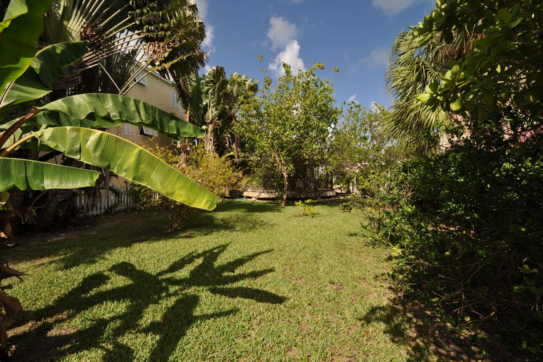 Additional photo for property listing at NEW PRICE ~ Governors Cay Sandyport, Cable Beach, Nassau And Paradise Island Bahamas