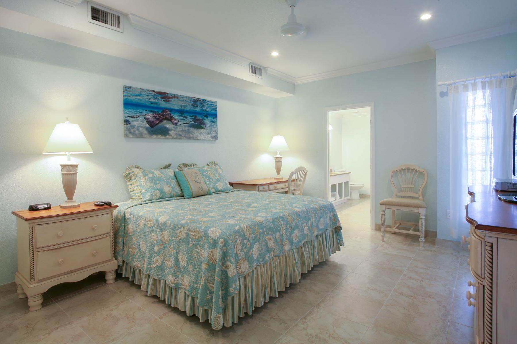 Additional photo for property listing at Compass Point Fractional Compass Point #223 Austin Conolly Dr. 东区, 大开曼岛 KY1 开曼群岛