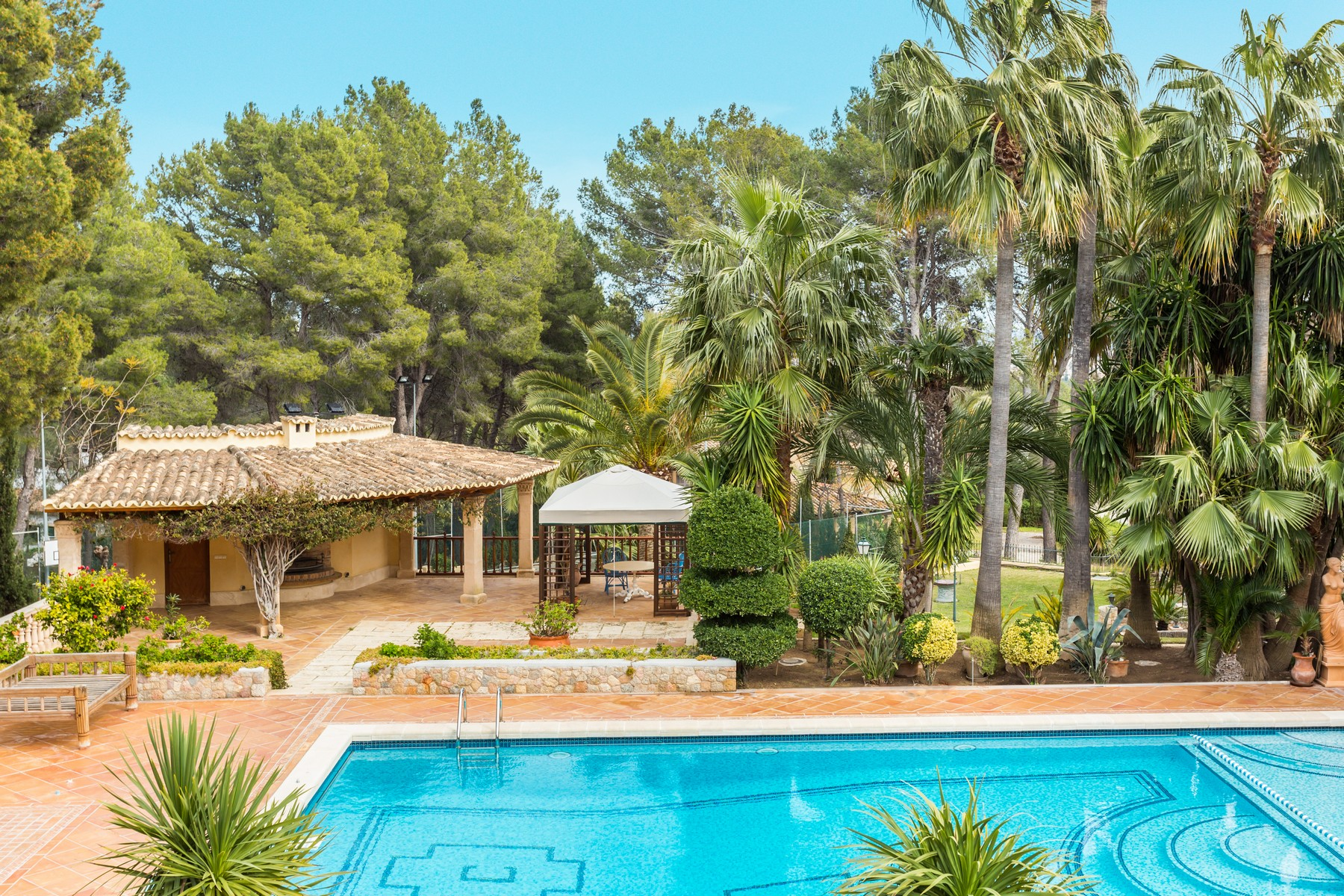 Maison unifamiliale pour l Vente à Extensive luxury villa in Son Vida Palma Center, Majorque, 07013 Espagne