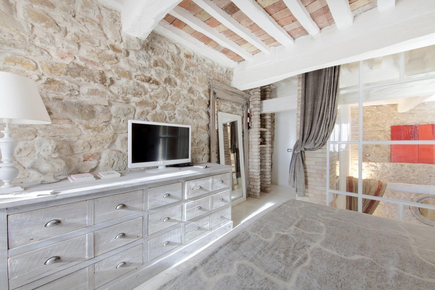 Additional photo for property listing at Restored apartment in Pereta Via della Pergola Magliano In Toscana, Grosseto 58051 Italie