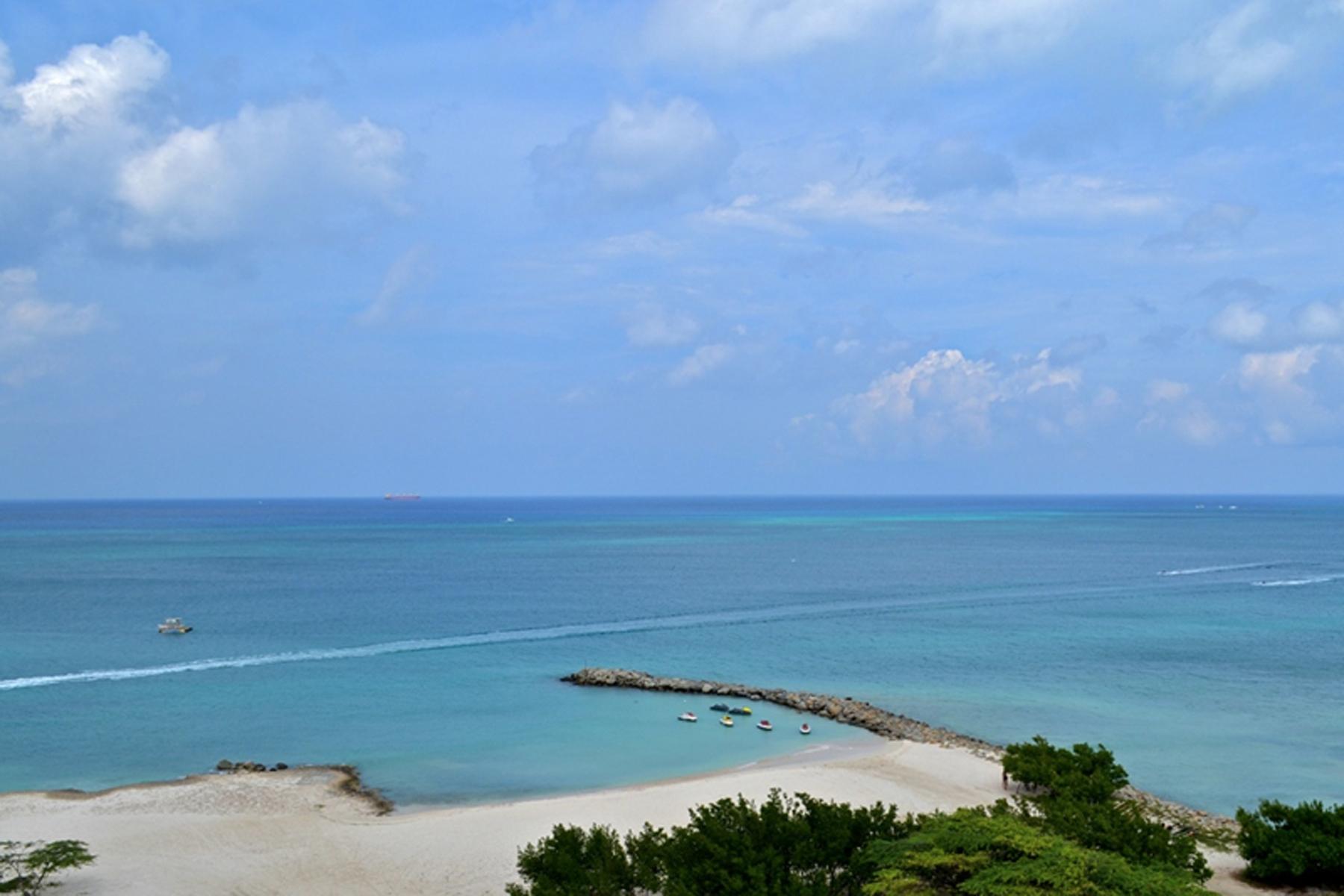 Additional photo for property listing at Blue Penthouse Eagle Beach, Aruba Aruba