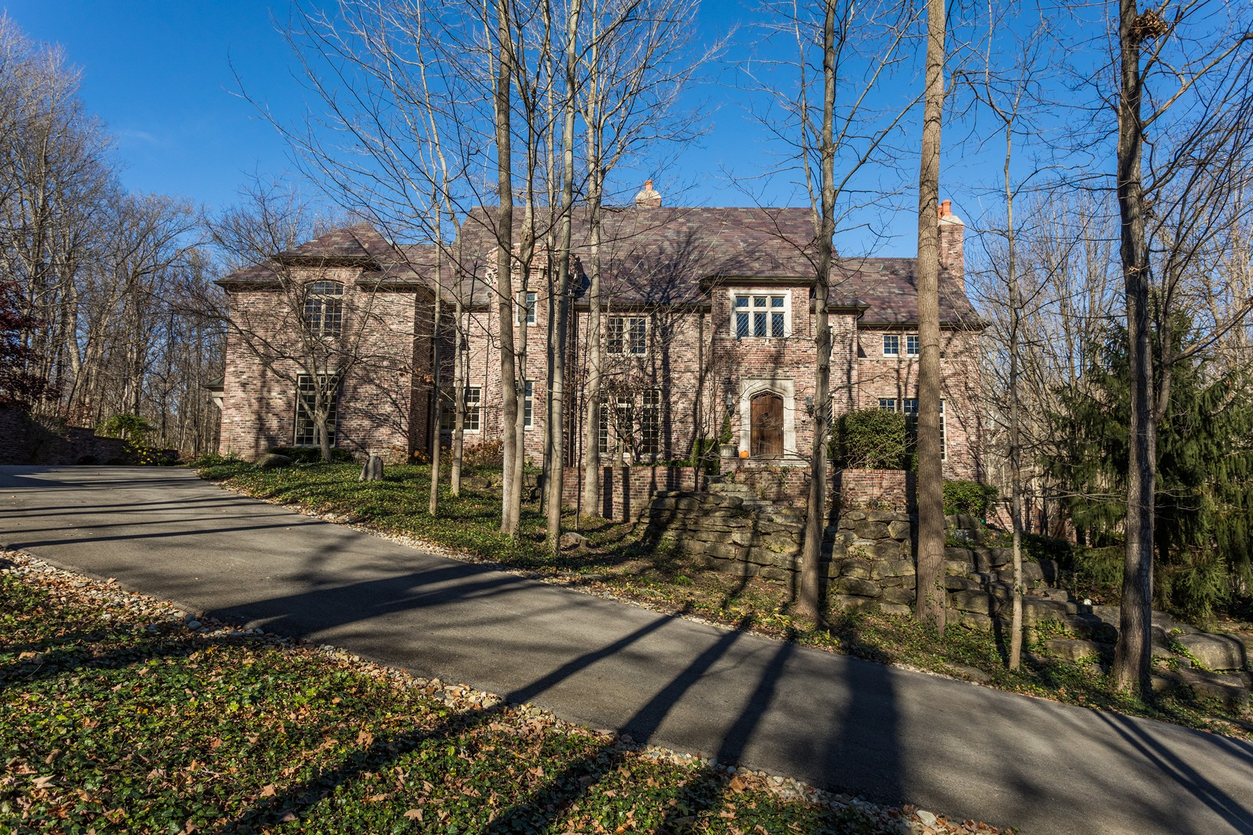 Single Family Home for Sale at Privacy, Elegance & Function 7946 Mill Stream Circle Indianapolis, Indiana 46278 United States