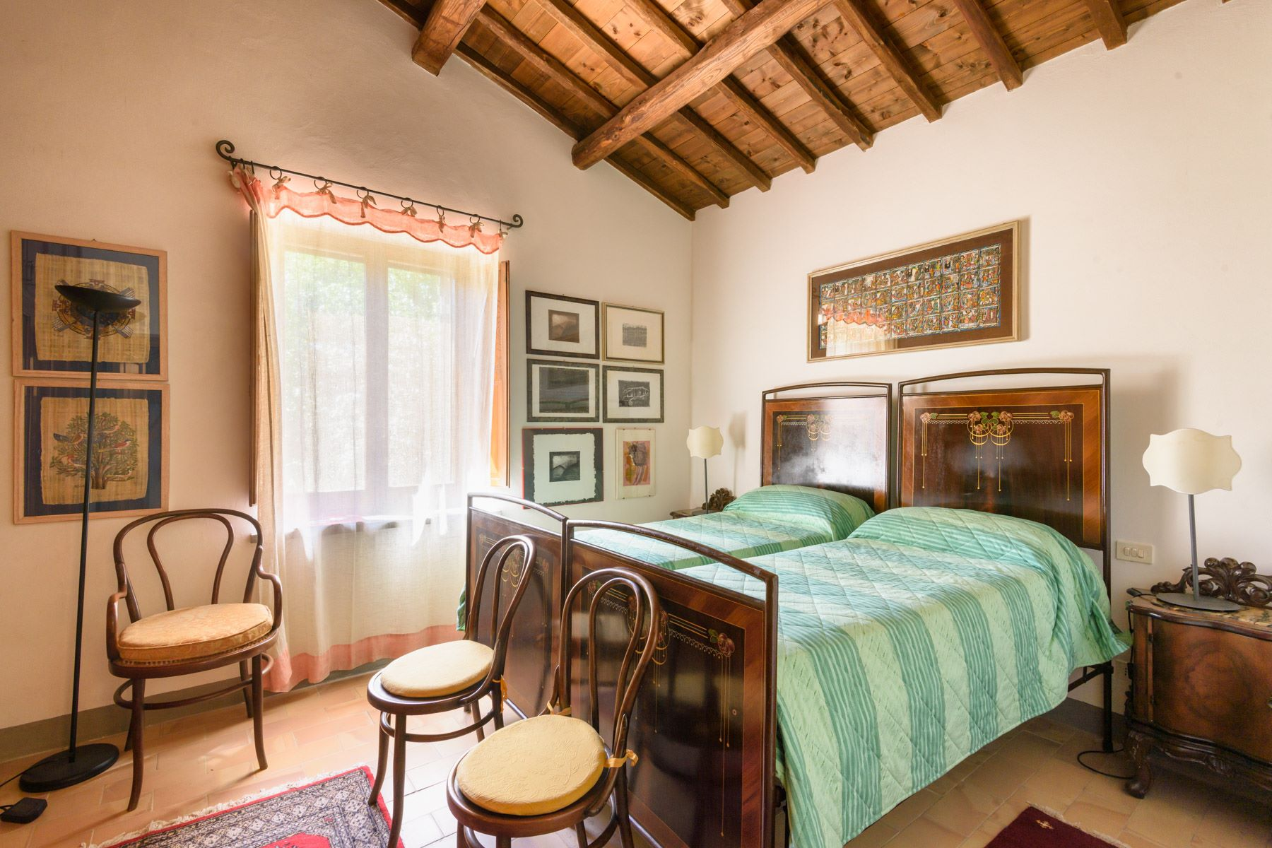 Additional photo for property listing at Charming house overlooking the town of Todi Todi, Perugia Italia