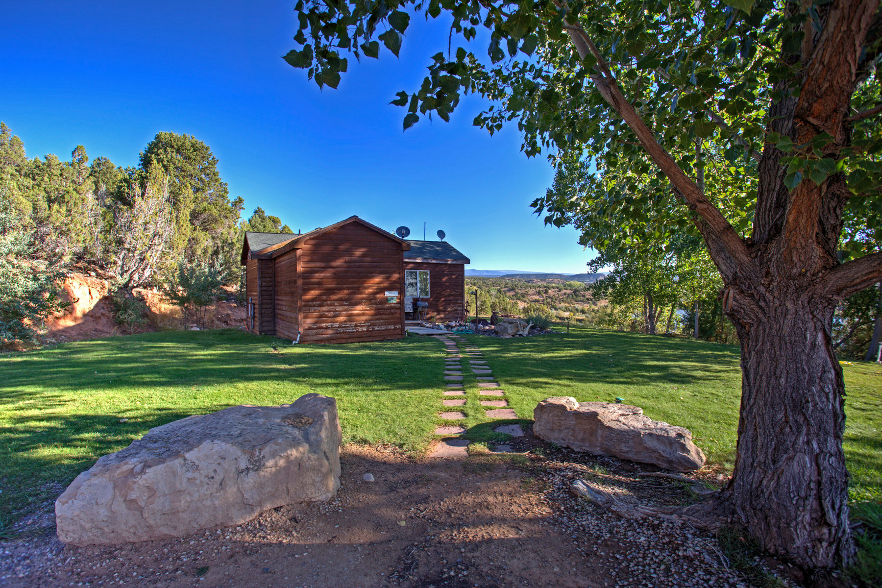 Additional photo for property listing at LC Ranch, Your Fly Fishing & Outdoor Recreational Enthusiast's Dream 14535 West 4000 North Altamont, Utah 84001 États-Unis