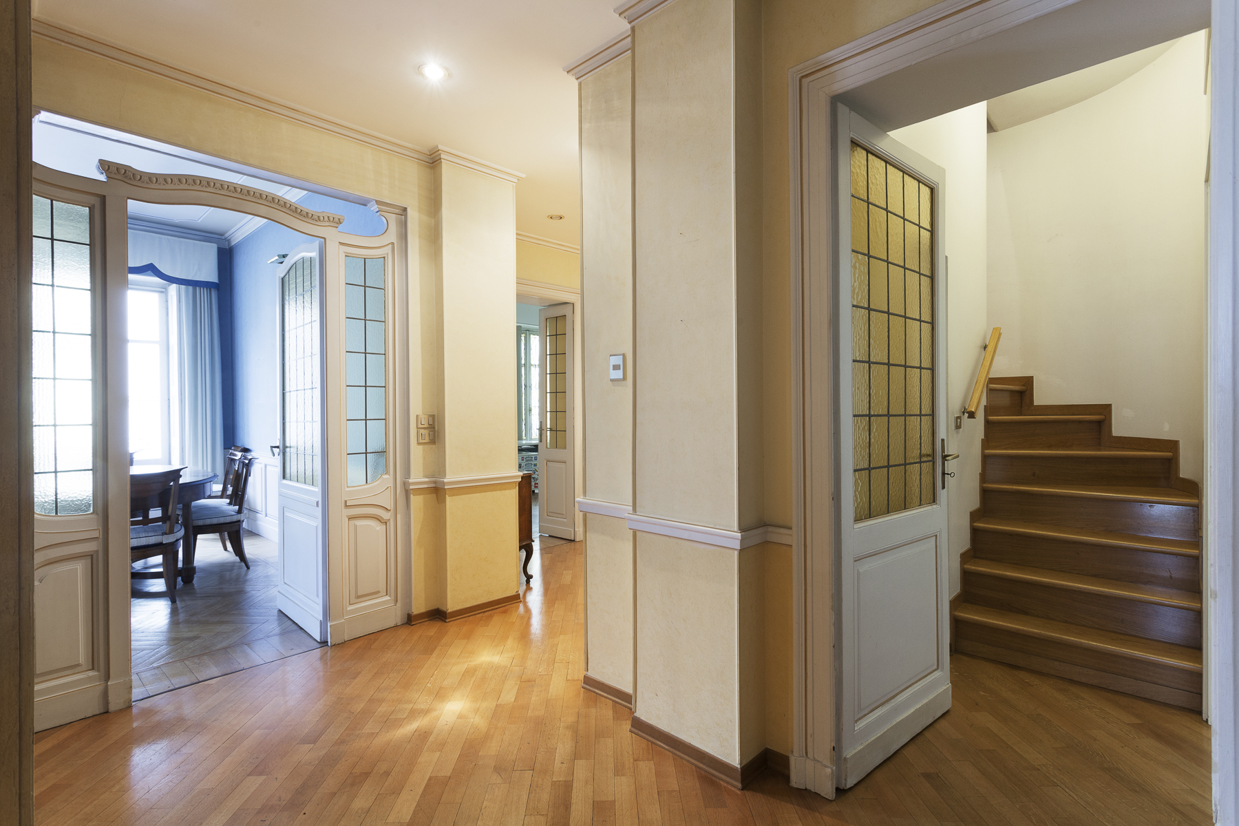 Additional photo for property listing at Bright Apartment with overlooking Mole Antonelliana and Cappuccini Via Maria Vittoria Turin, Turin 10123 Italy
