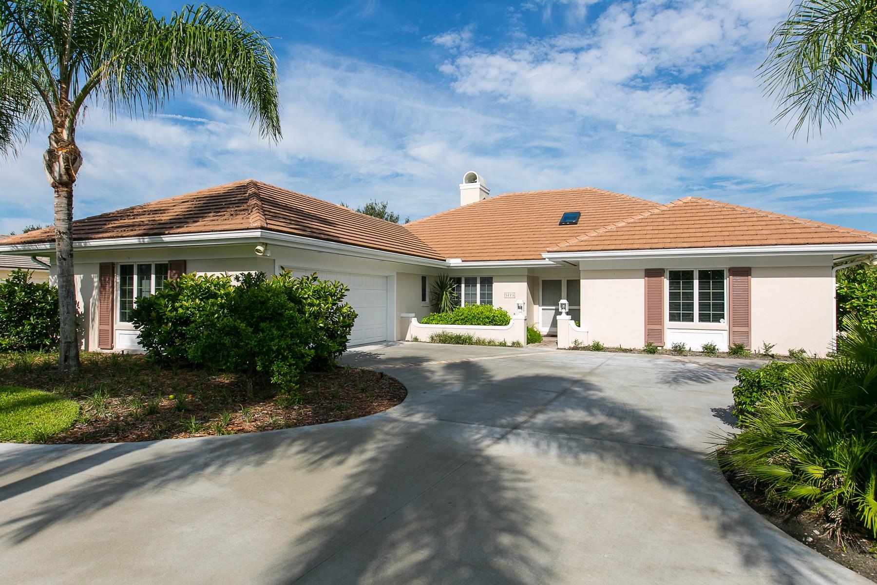 Casa Unifamiliar por un Venta en Beautiful Pool Home 5775 Glen Eagle Lane Vero Beach, Florida, 32967 Estados Unidos