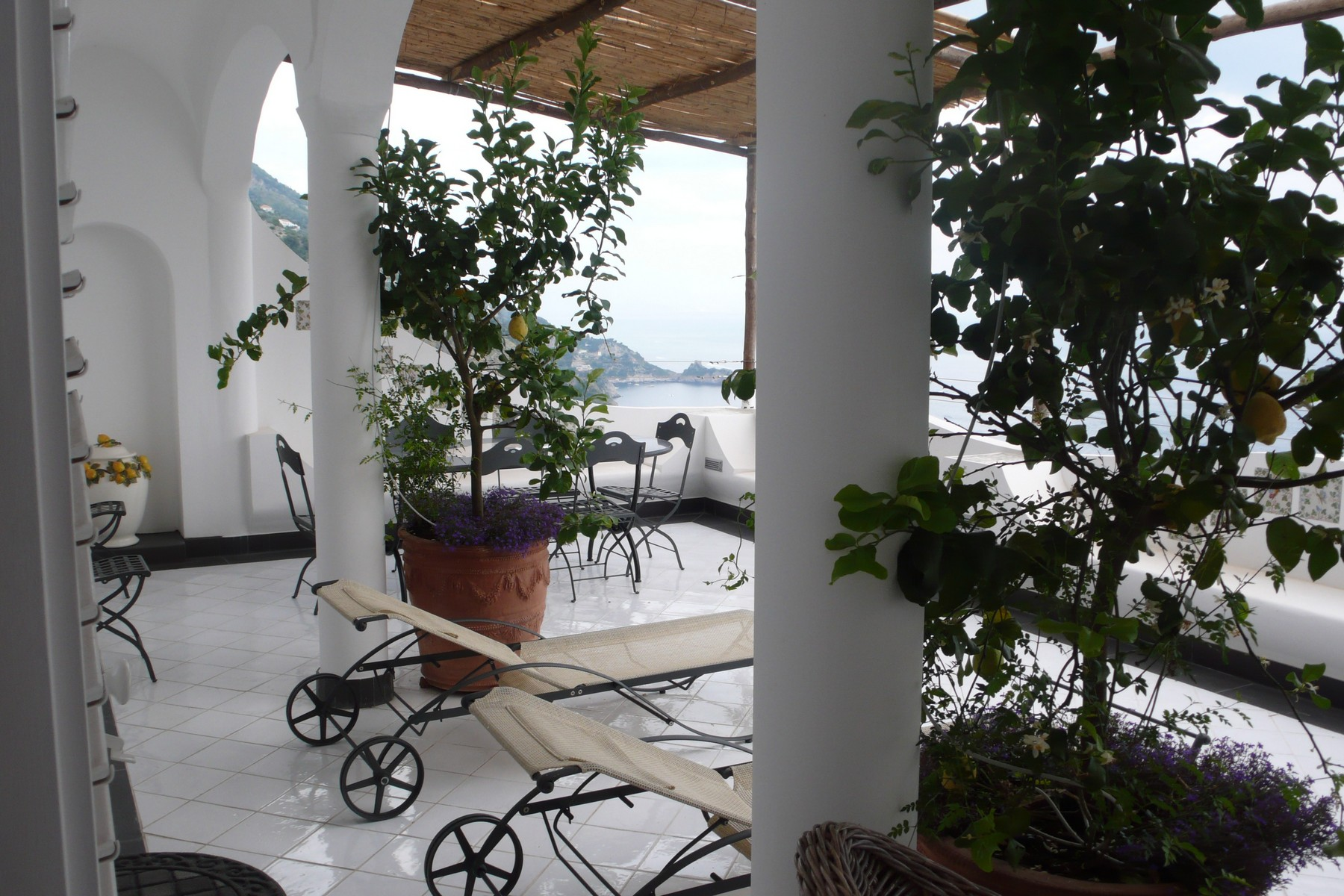Additional photo for property listing at Beautiful property overlooking the sea in Praiano Via Costantinopoli Praiano, Salerno 84010 Italien