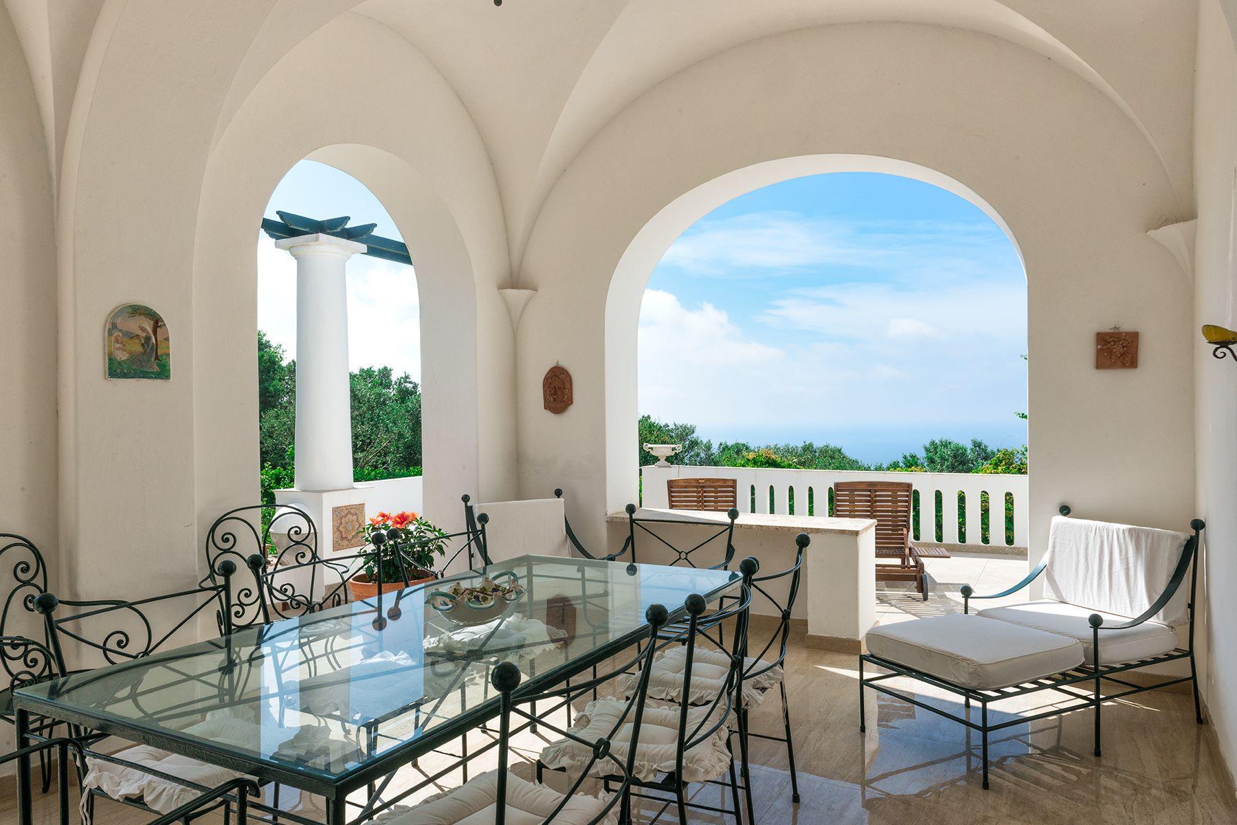 Additional photo for property listing at Amazing villa in the heart of Anacapri Capri, Naples Italien