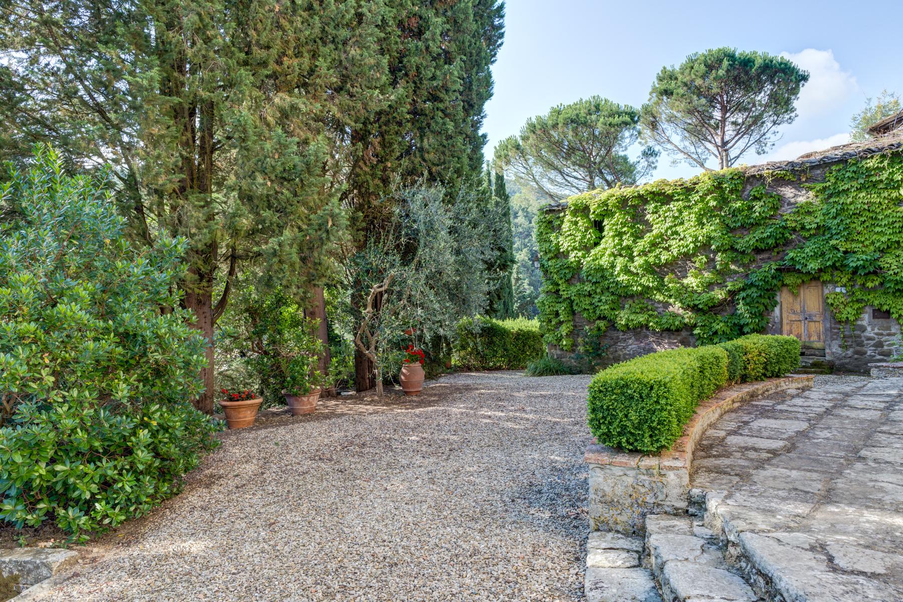 Additional photo for property listing at Amazing property in Chianti loc. Le Convertoie Greve In Chianti, Florence 50022 Italie