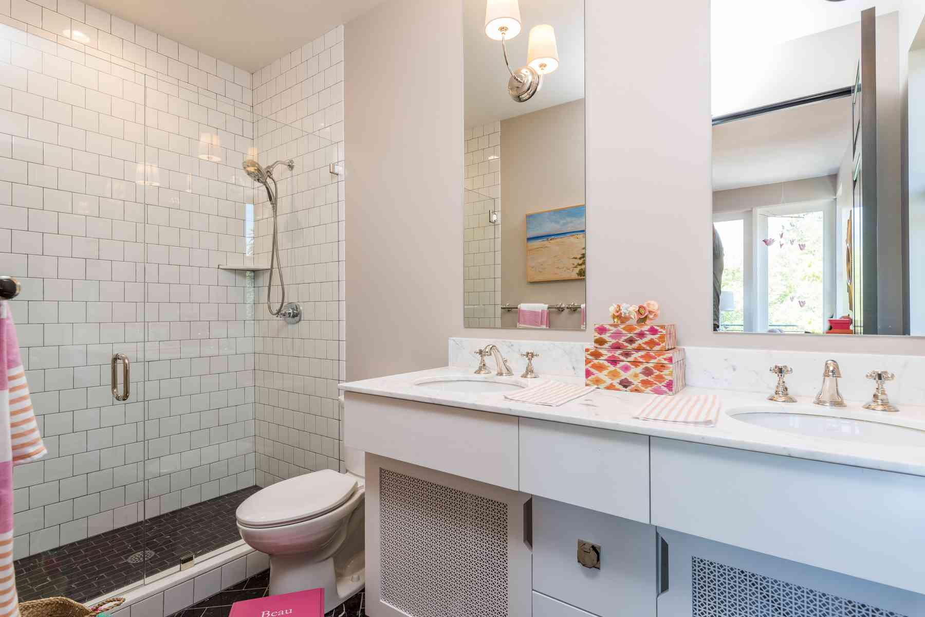 Additional photo for property listing at Big City Sophistication 171 East Ave N. Unit B 凯彻姆, 爱达荷州 83340 美国