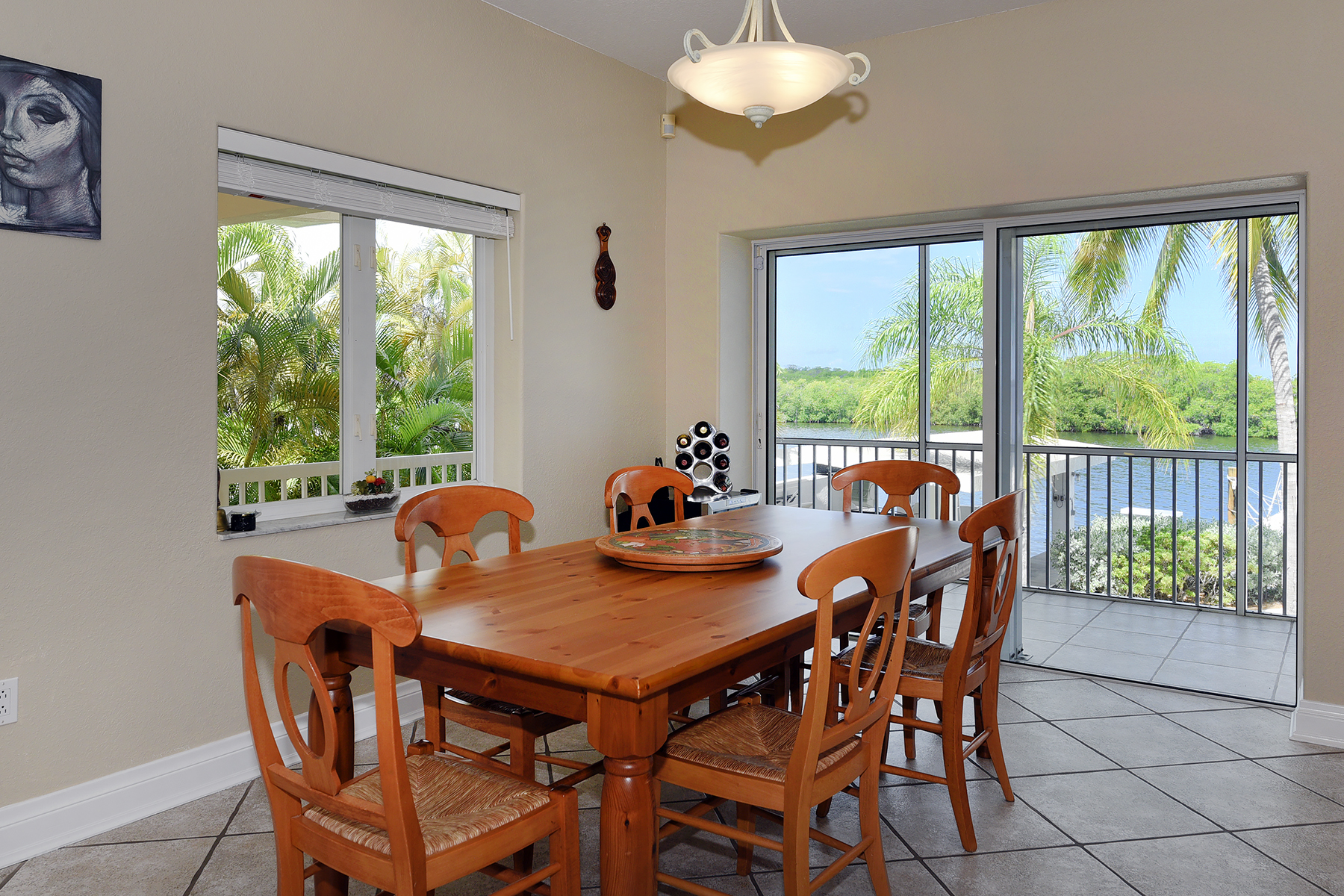 Additional photo for property listing at Fabulous Bayfront Home 400 S Coconut Palm Blvd Plantation Key, Florida 33070 Vereinigte Staaten