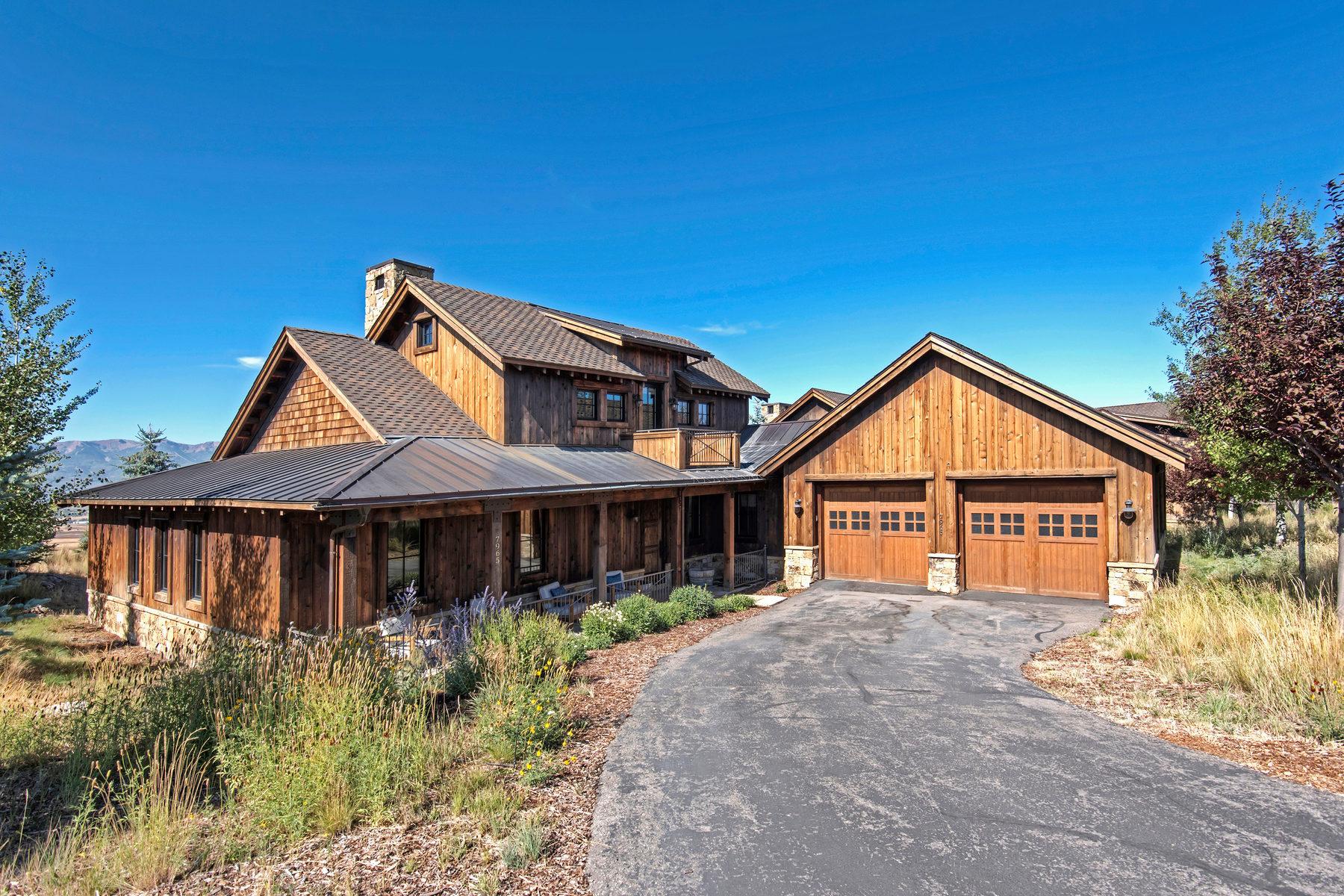 단독 가정 주택 용 매매 에 Trapper Cabin with a View 7965 Western Sky Park City, 유타, 84098 미국