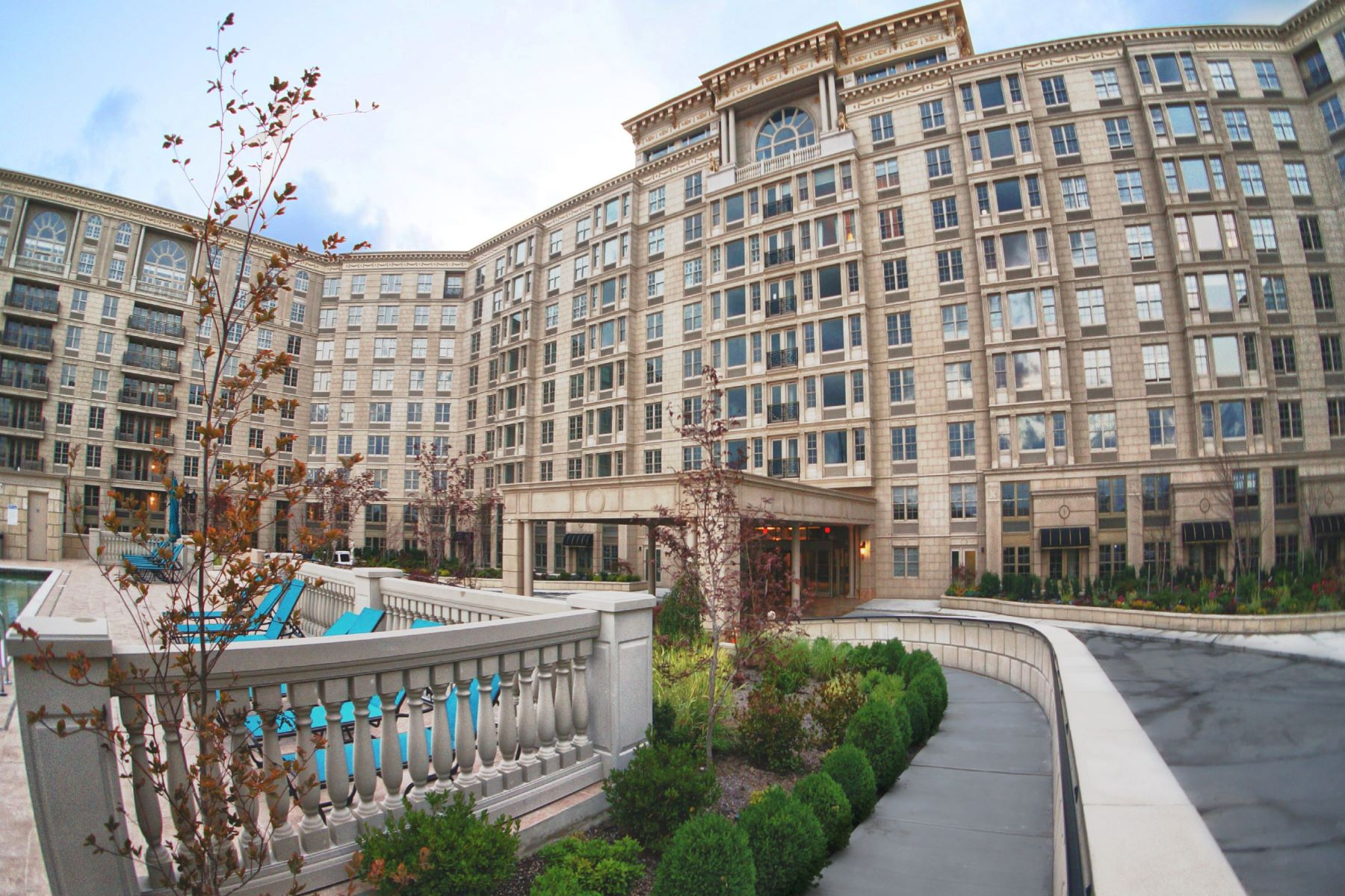 Apartment for Rent at Welcome To The Alexander 100 Alexander Way #TH-3 Edgewater, New Jersey 07020 United States
