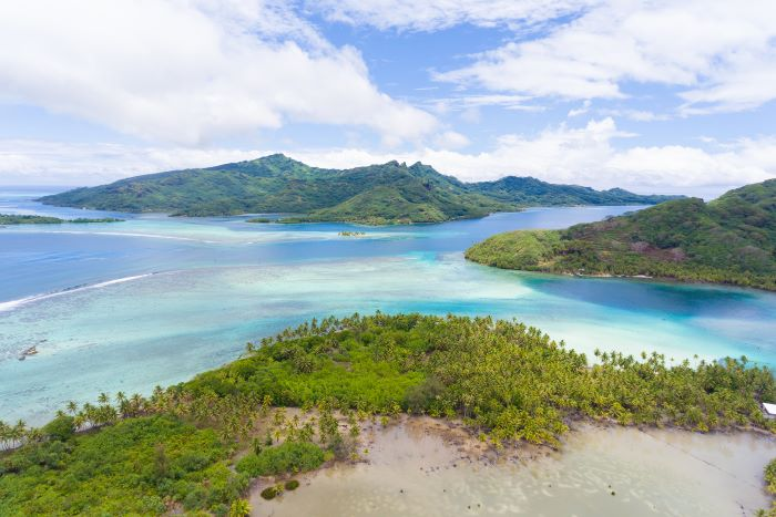 Dreaming land in Huahine