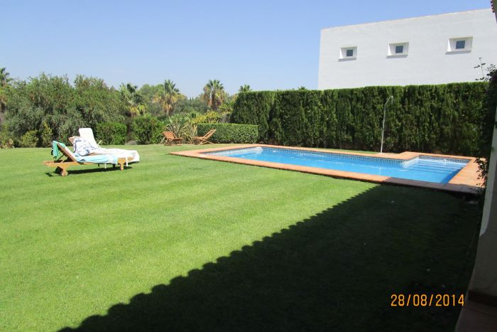 Lovely L-shaped villa in Sotogrande Alto with breathtaking views