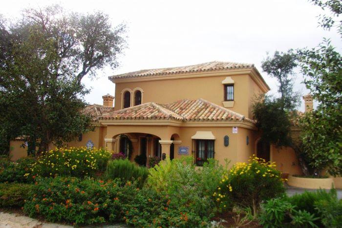 Stunning newly built 300m2 villa near Almenara & Valderrama Golf Courses