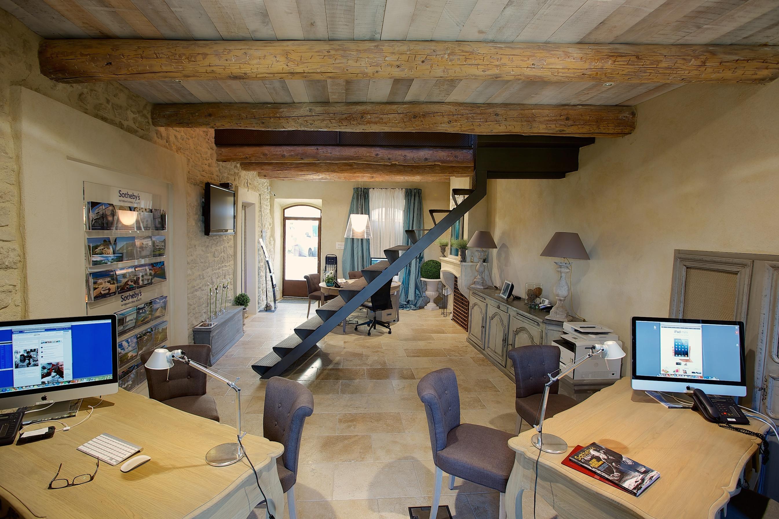 Office 180-b-898-5000000119 Photo
