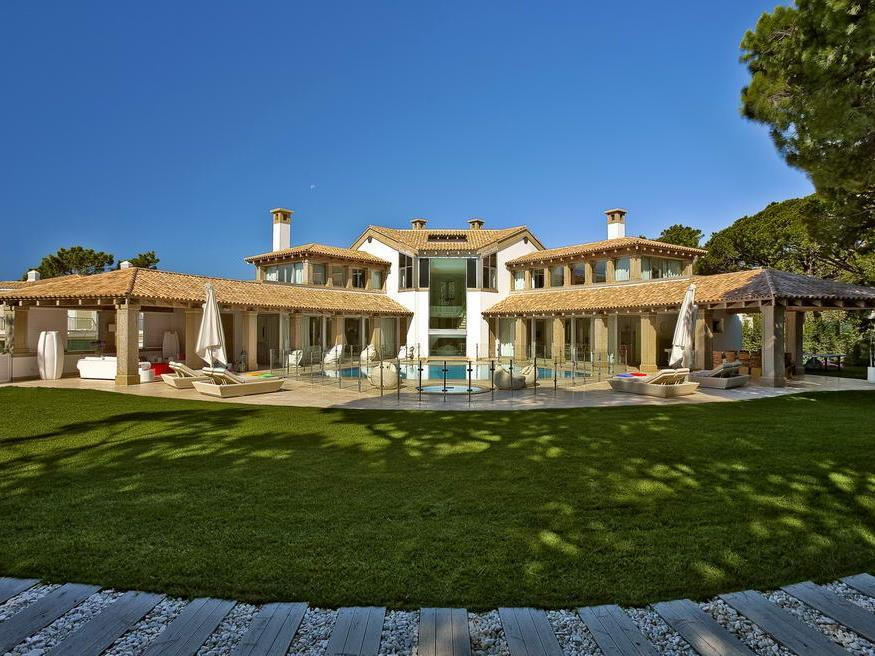 Single Family Home for Sale at Detached house, 6 bedrooms, for Sale Loule, Algarve Portugal