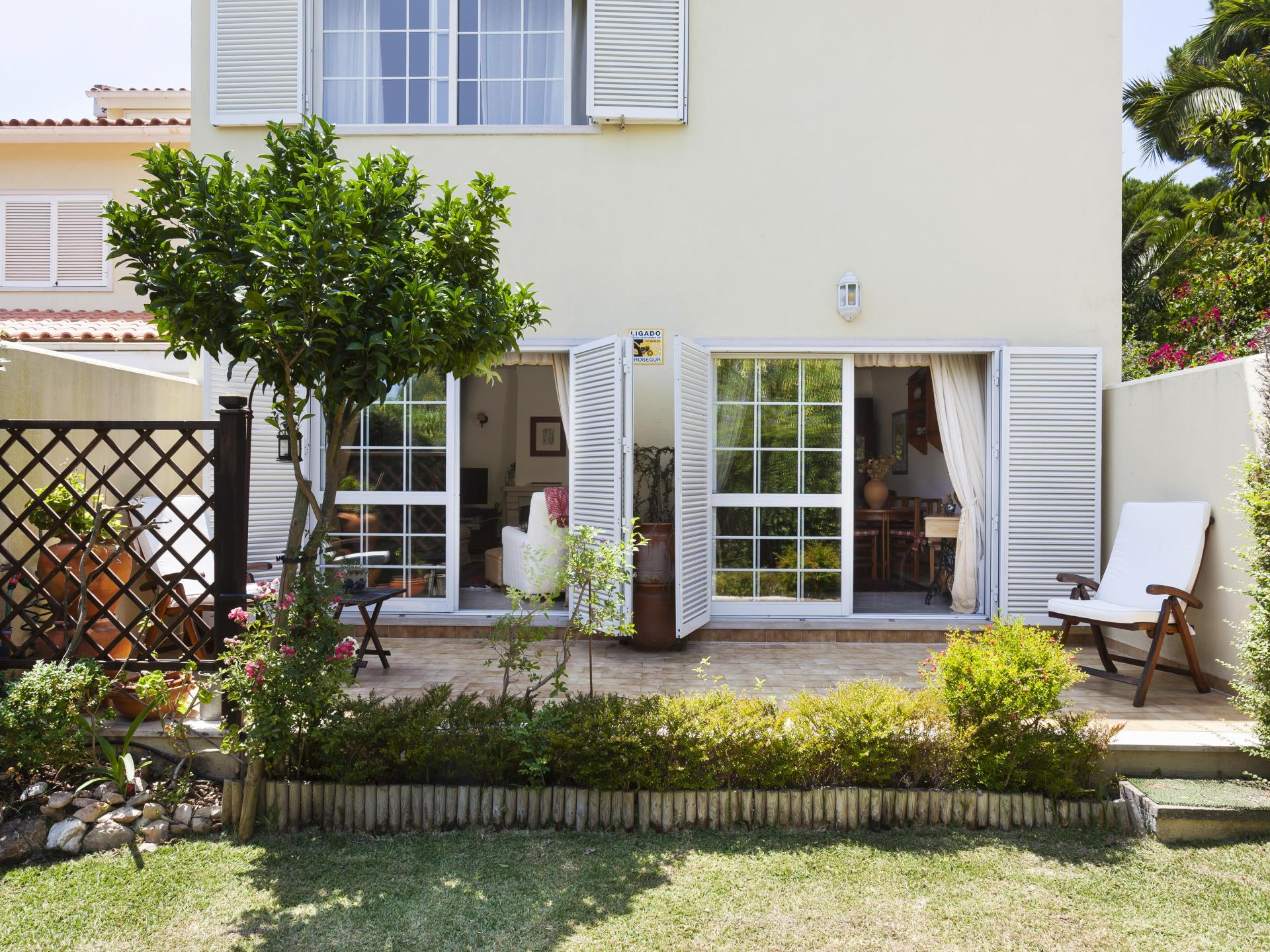 Single Family Home for Sale at Terraced house, 4 bedrooms, for Sale Birre, Cascais, Lisboa Portugal